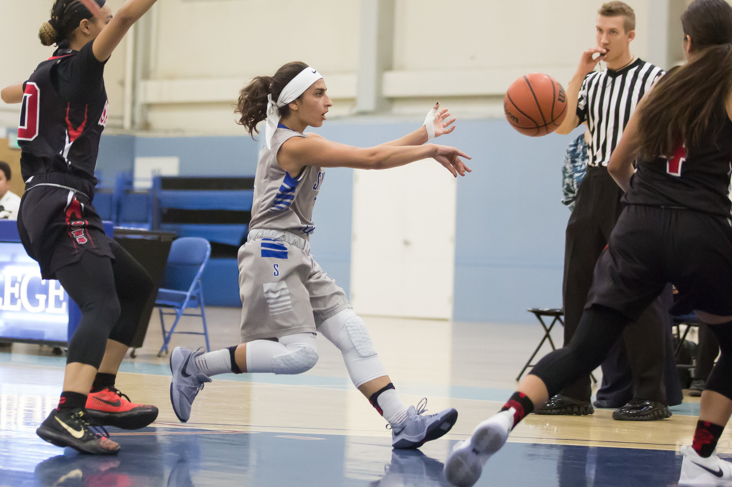 Guard Jessica Melamed (2) of Santa Monica College Corsairs  attempt to pass ball to other teammate. Santa Monica College Corsairs win the game 63-54 against Santa Ana College. On Saturday, November 4th, 2017 at the SMC Pavilion on the Santa Monica College Main Campus in Santa Monica, California. (Photo by Yuki Iwamura)