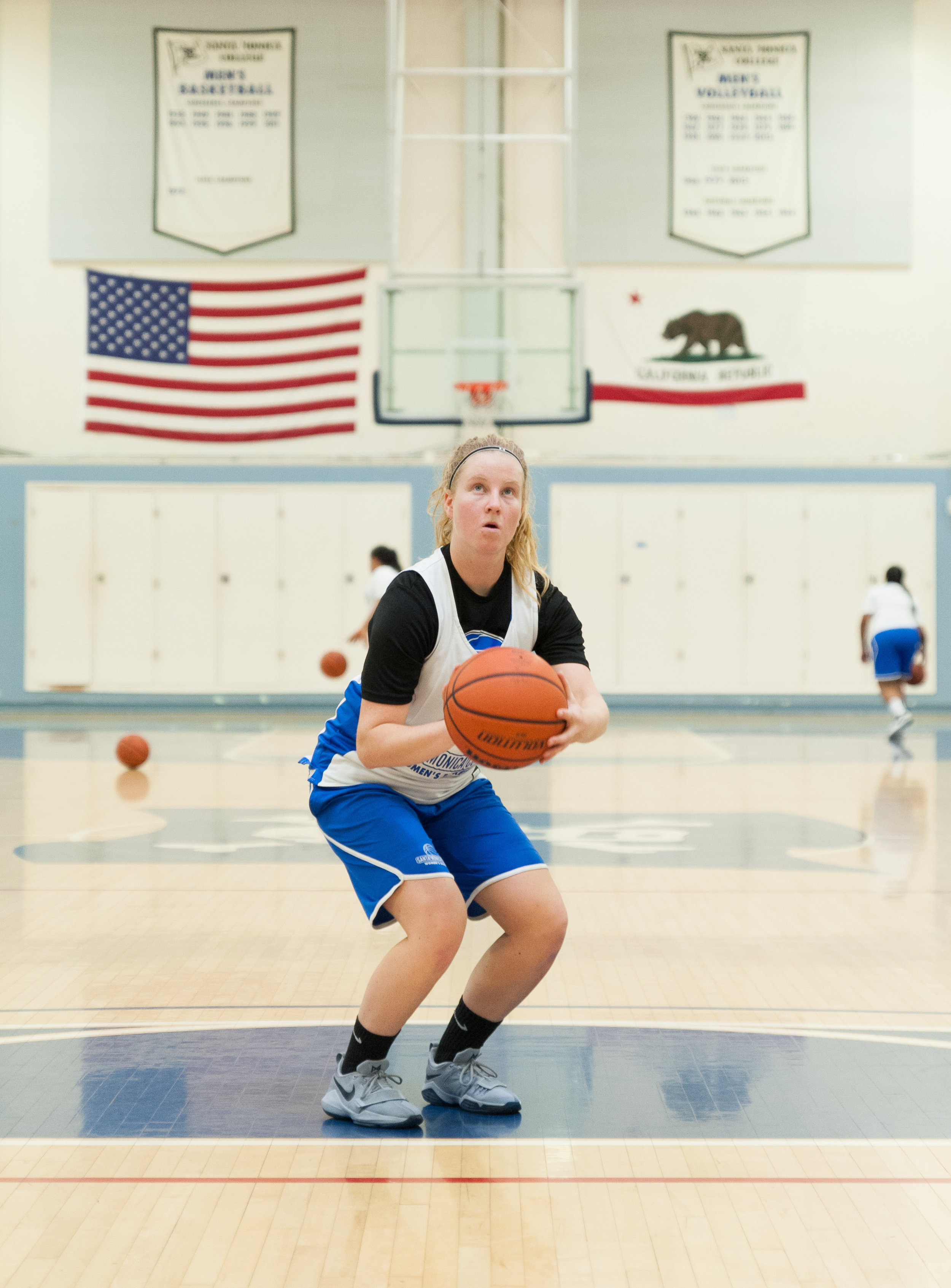 Freshman guard Pleun Geurts (24) of the Santa Monica College Women's Basketball Team shoots free throws during Monday's afternoon practice. SMC Pavilion, Santa Monica College Main Campus, Santa Monica, Calif.. November 13, 2017.(Photo by: Justin Han/Corsair Staff)