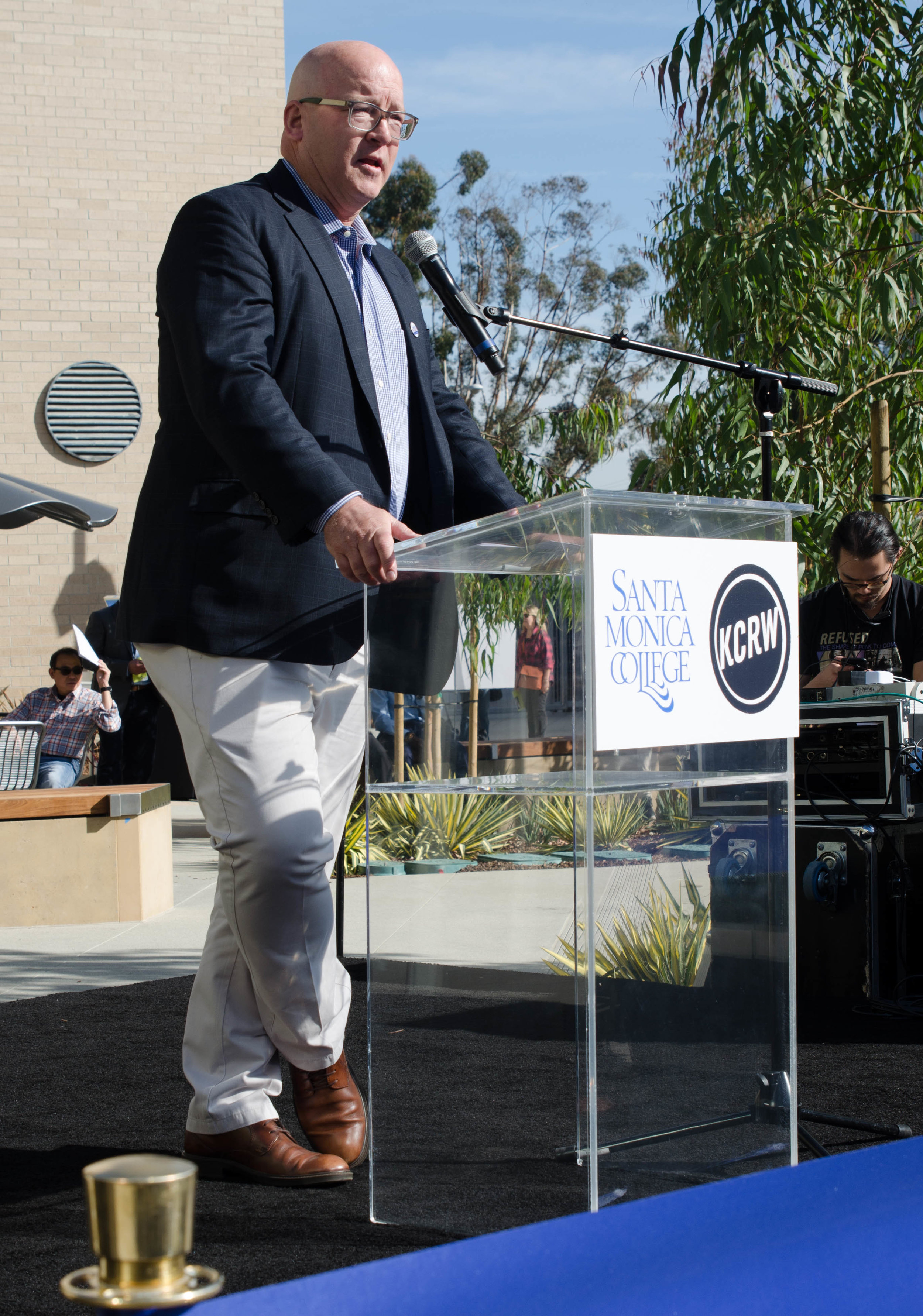 The mayor of Santa Monica speaks at ribbon cutting ceremony for the 'Center for Media and Design' and 'KCRW Media Center' . Santa Monica, Calif. December 2,2017 (Photo by: Diana Parra Garcia)