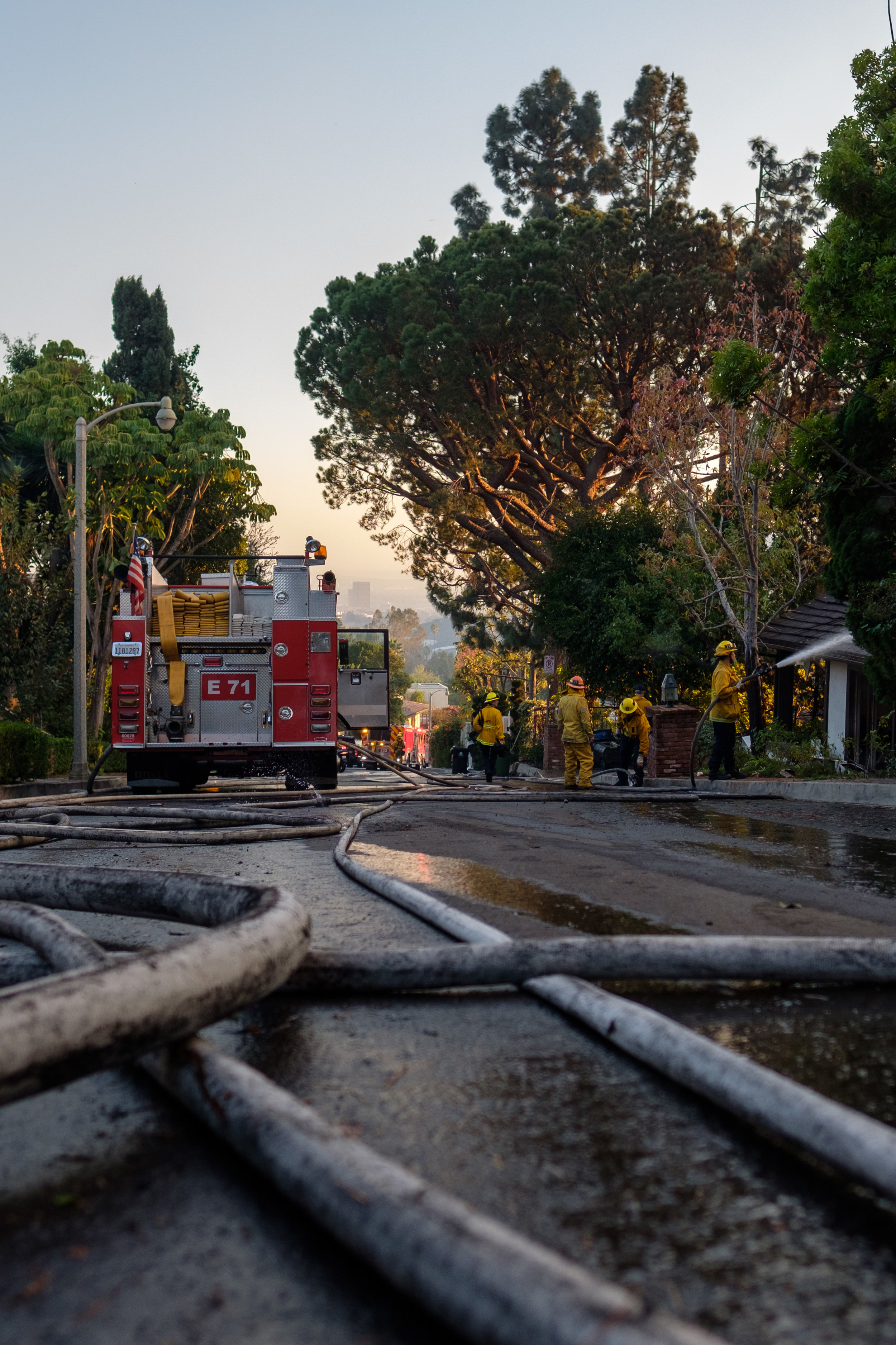 The Los Angeles Fire Department fighting the Skirball Fire that started in the early morning of December 6, 2017 in Los Angeles, Calif. (Photo by Jayrol San Jose)