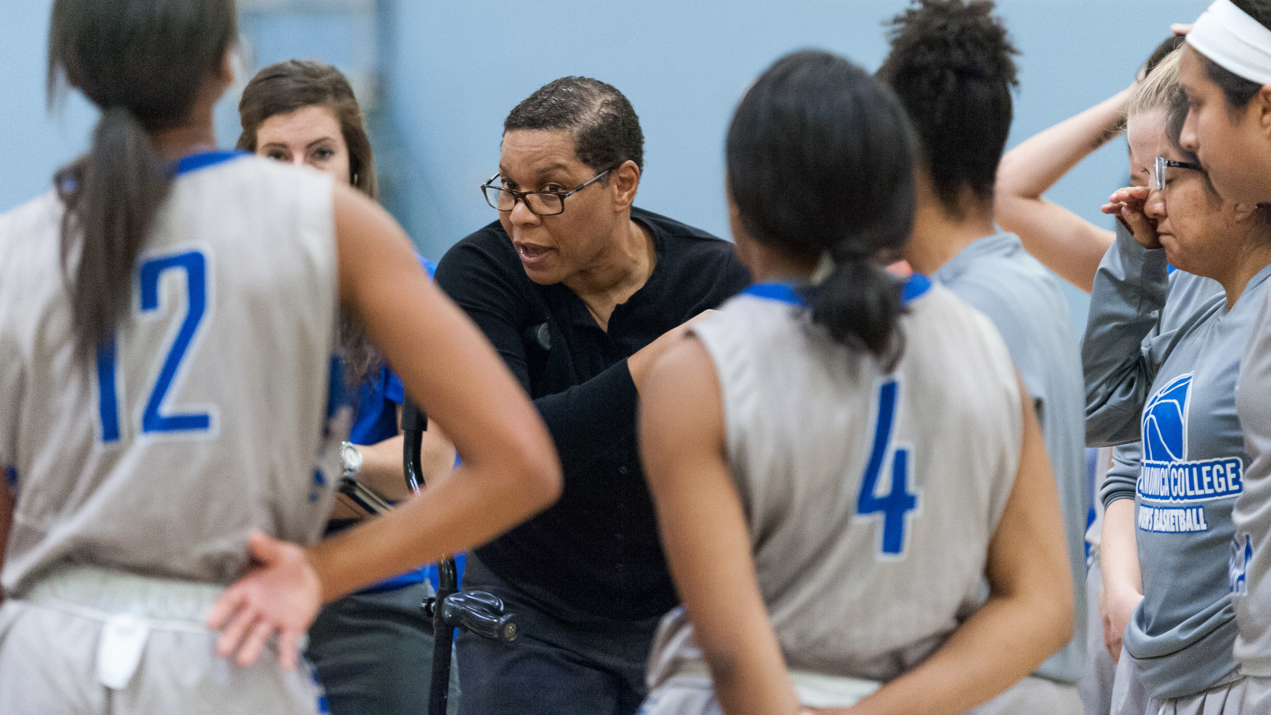 Lydia Strong (Center), Head Coach of the Santa Monica College Women's Basketball Team, tells her team to make a final run during the last few minutes of action. The Santa Monica College Corsairs lose the game 52-69 to the Moorpark College Raiders. The game was held at the SMC Pavilion at the Santa Monica College Main Campus in Santa Monica, Calif.. December 9, 2017. (Photo by: Justin Han/Corsair Staff)