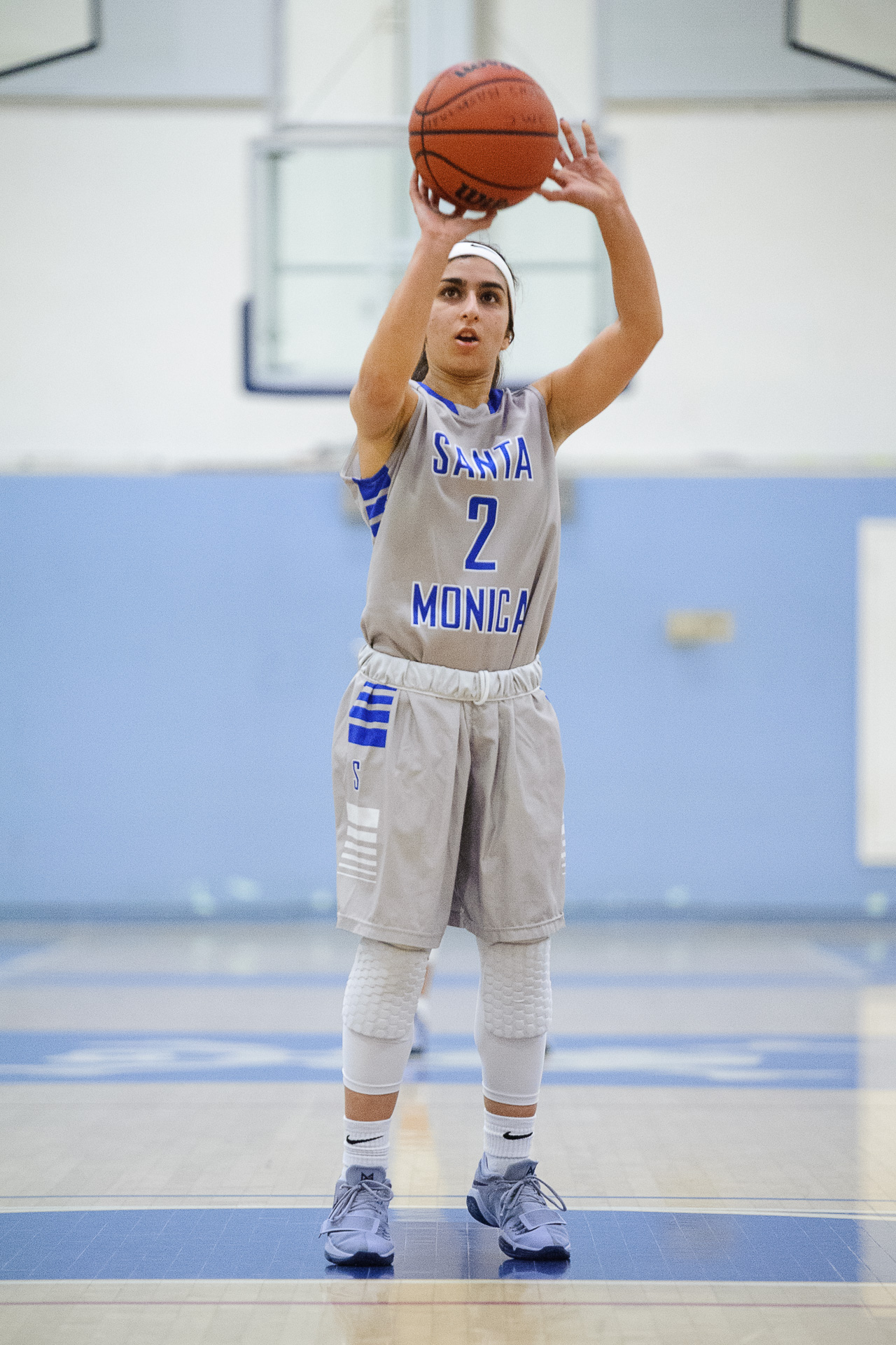 Guard Jessica Melamed (2) of Santa Monica College shoots free throws after getting fouled in the act of shooting. The Santa Monica College Corsairs lose the game 62-72 to the Bakersfield College Renegades. The game was held at the SMC Pavilion at the Santa Monica College Main Campus in Santa Monica, Calif.. January 20, 2018. (Photo by: Justin Han/Corsair Staff)