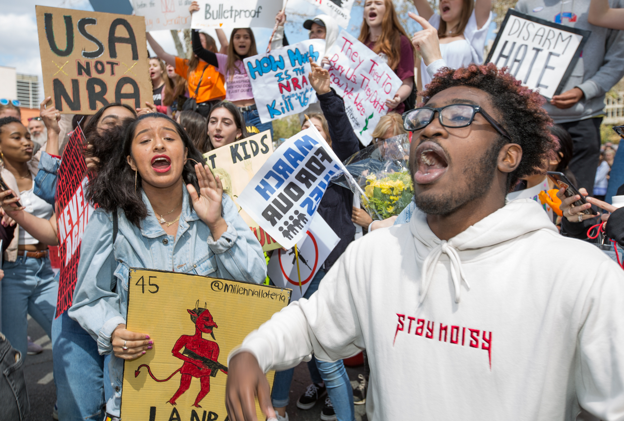 Young activists chant gun control next to City Hall during the March for Our Lives rally on March 24, 2018, in Los Angeles, California. (Daniel Bowyer/Corsair Photo)