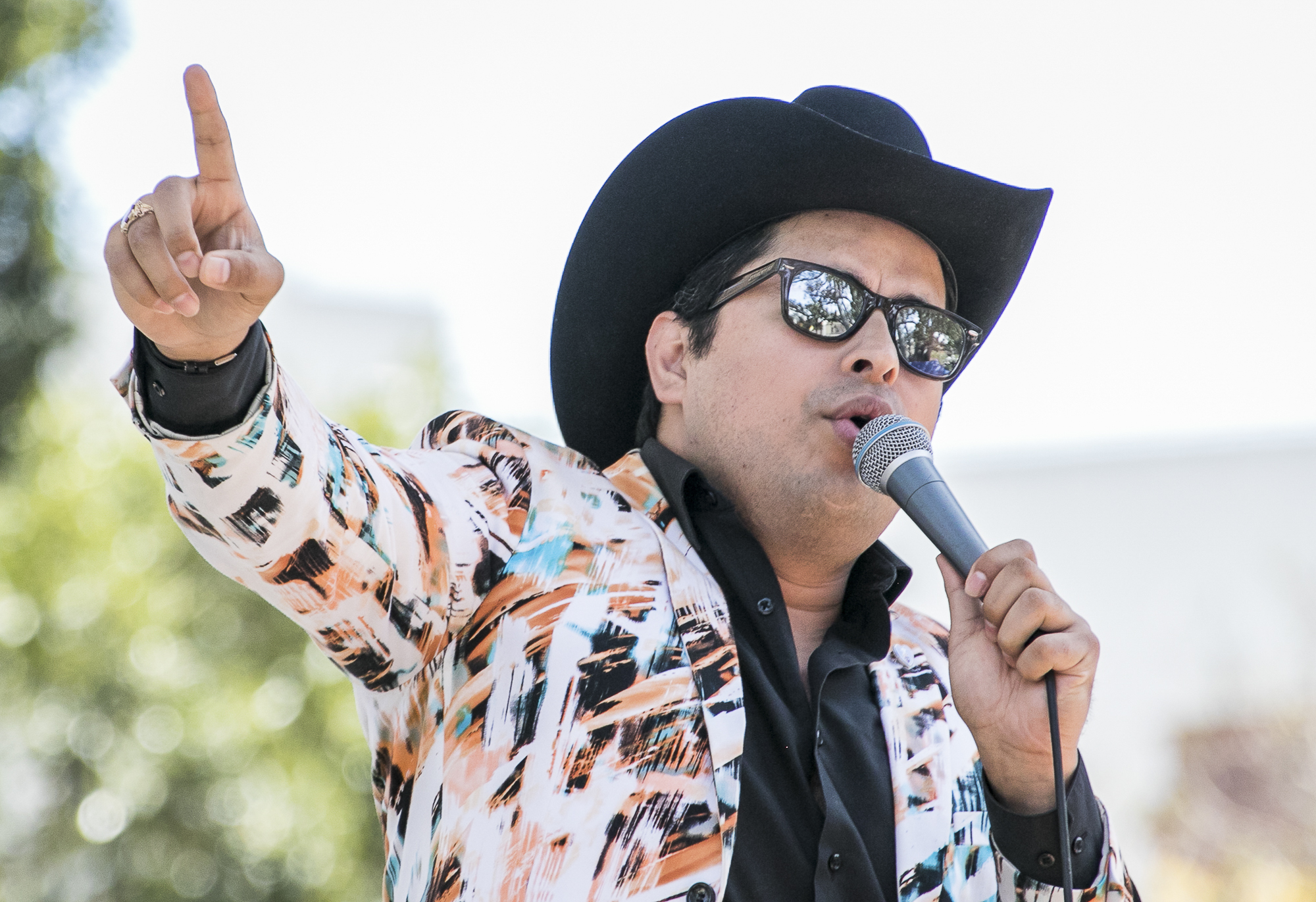 A singer performing for the crowd at  Cinco De Mayo celebrations held at El Pueblo de Los Angeles Historic Monument at Olvera Street on May 5th, 2018 was performed by students from a local middle school.  (Downtown, Los Angeles, California, Saturday, May 5th, 2018.) (Ashutosh Bikram Singh/Corsair Photo)