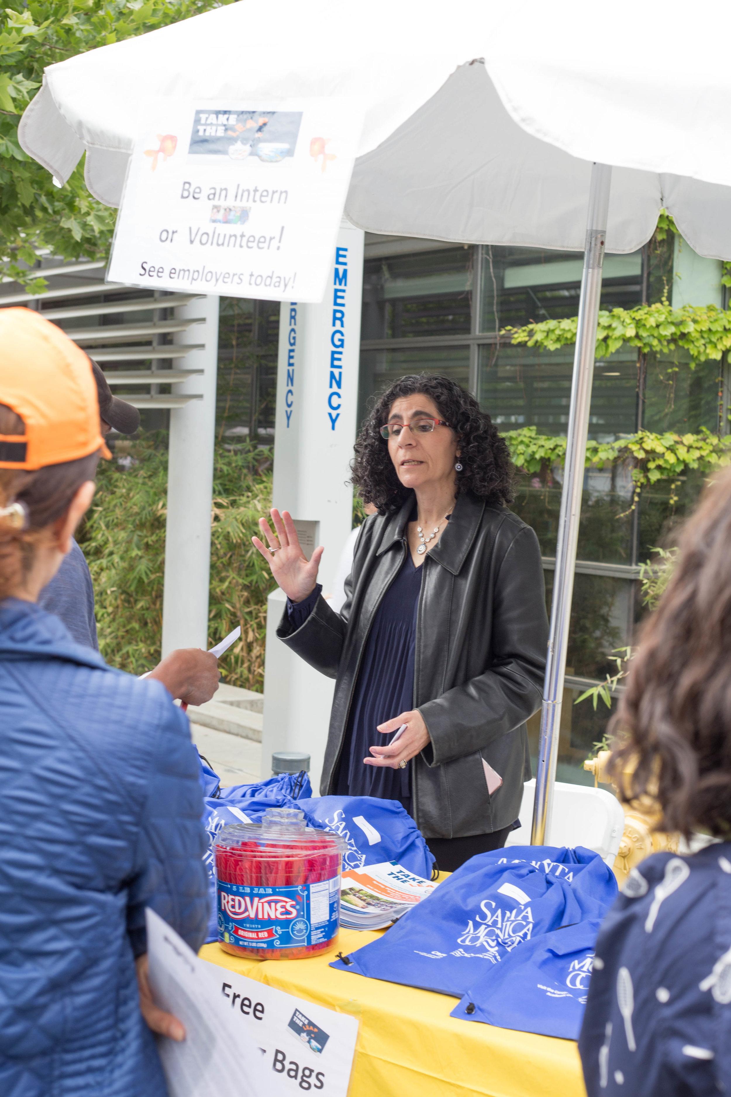 Santa Monica College (SMC) Internship Fair. SMC Internship program Vicki Rothman. SMC main campus. SMC main campus. Santa Monica, California. Tuesday May 22 2018. (Fernanda Rivera/Corsair Photo)