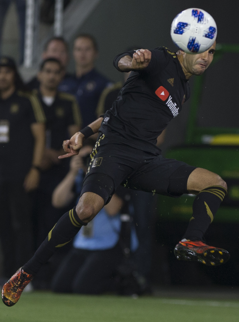 Los Angeles Football Club (LAFC) defender Steven Beitashour centers the ball for his teammates during their match against the Minnesota United Football Club on May 9, 2018 at the Banc of California Stadium where the LAFC won 2-0. (Zane Meyer-Thornton/Corsair Photo)
