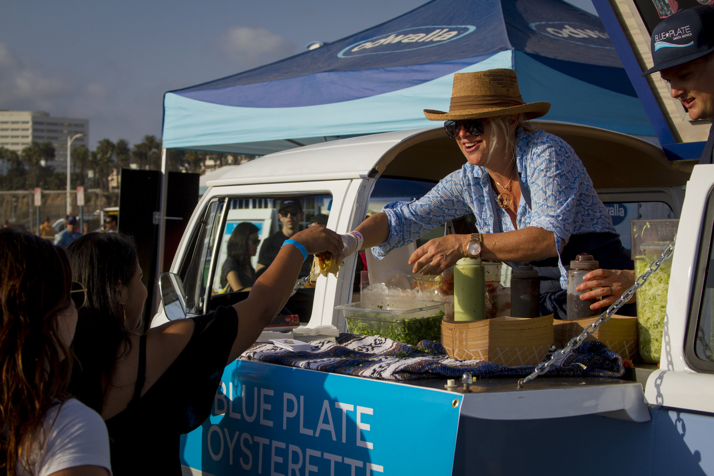 Blue Plate Oyster Mobile