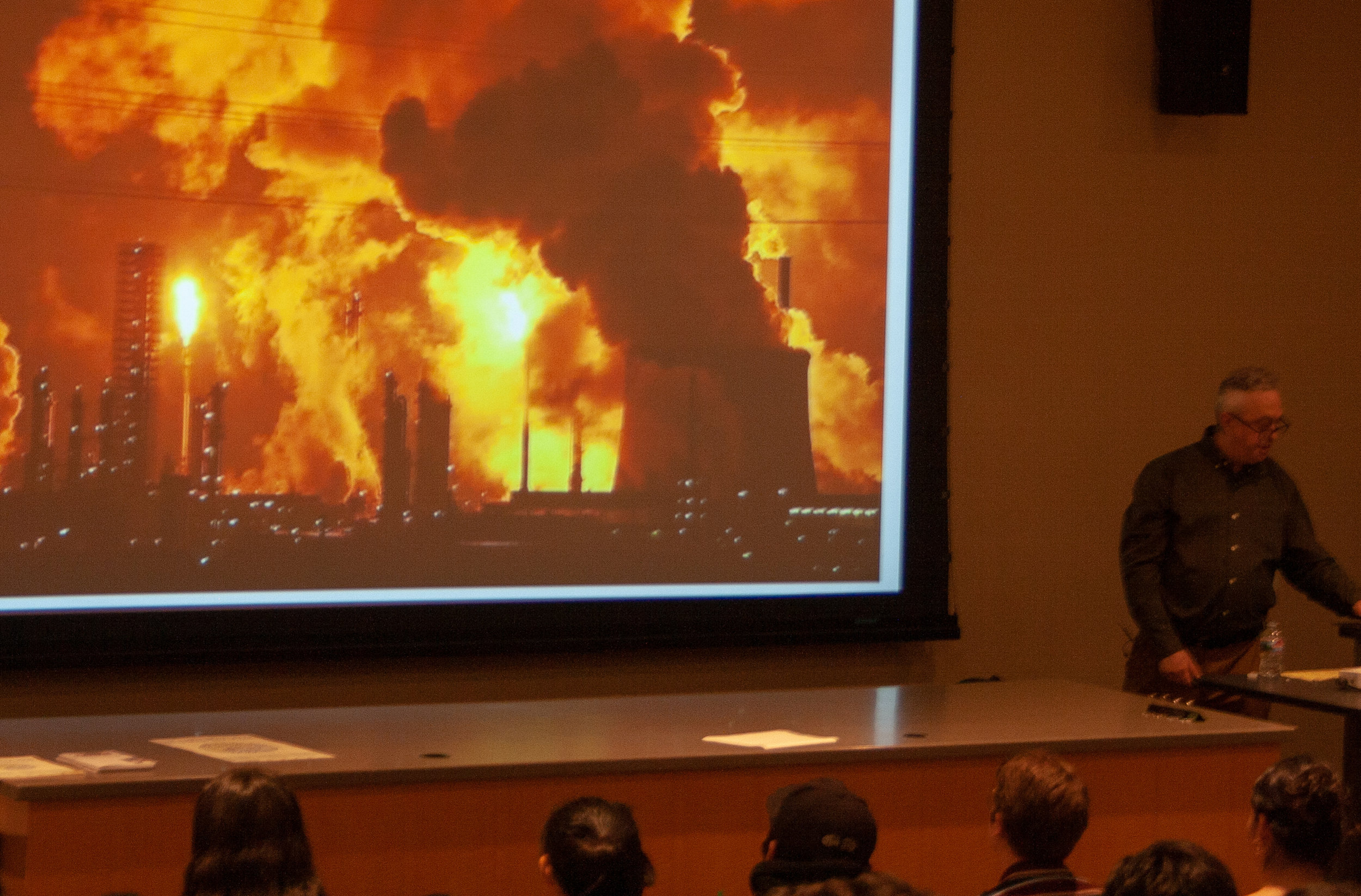 """During Jon Rynn's lecture at main campus Santa Monica College, he presents """"How the new Green Deal Should Look Like"""", giving a breif explination of the current situation with climate change. This event took place during Enviormental week, April 23 2019. (The Corsair/ Janet Ali)"""