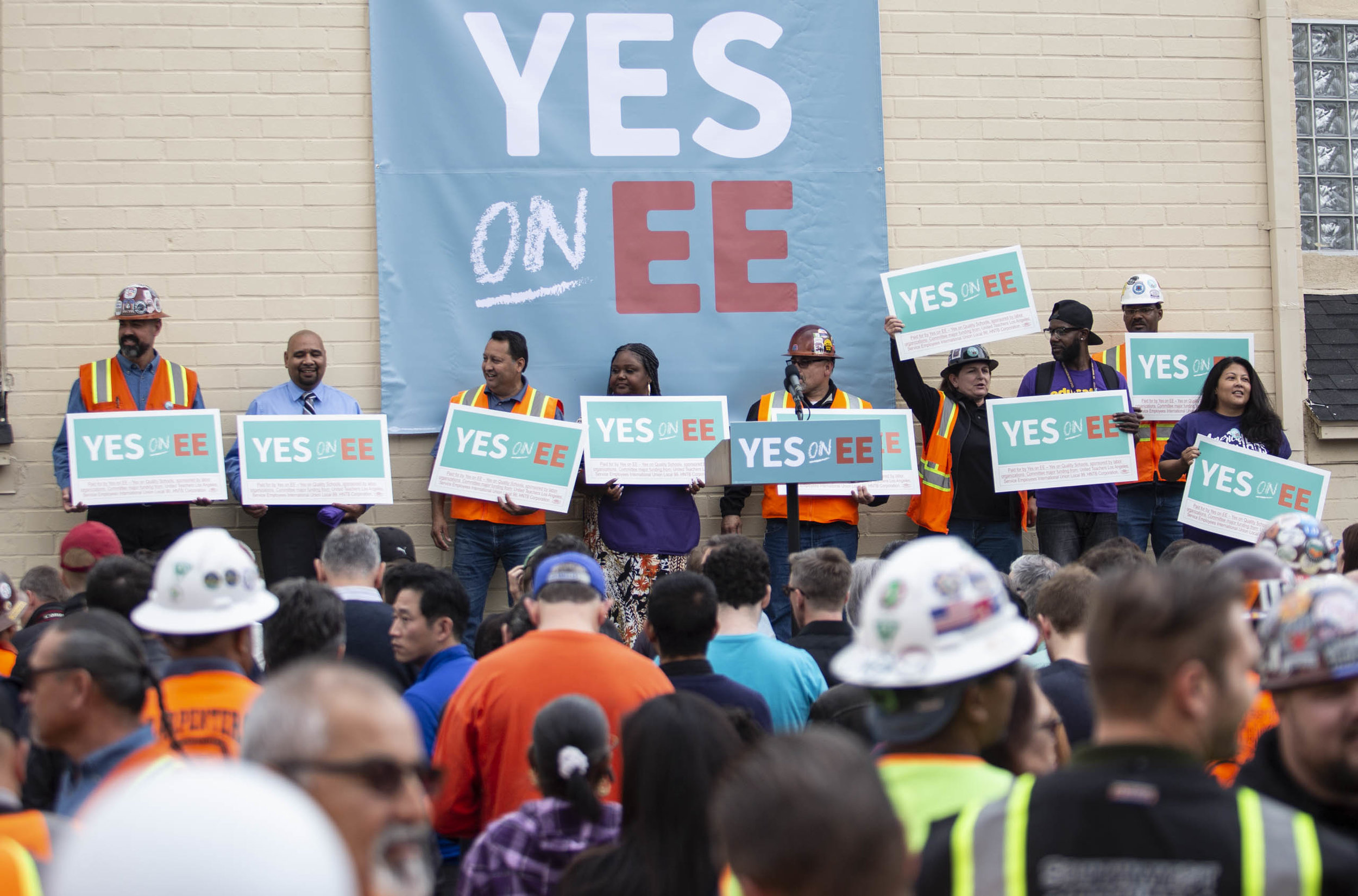 Union representatives and supporters during the rally in support of Mayor Pete Buttigieg for his 2020 presidential campaign on Thursday May 9, 2019 in Los Angeles, Calif. (Yasamin Jtehrani / The Corsair)