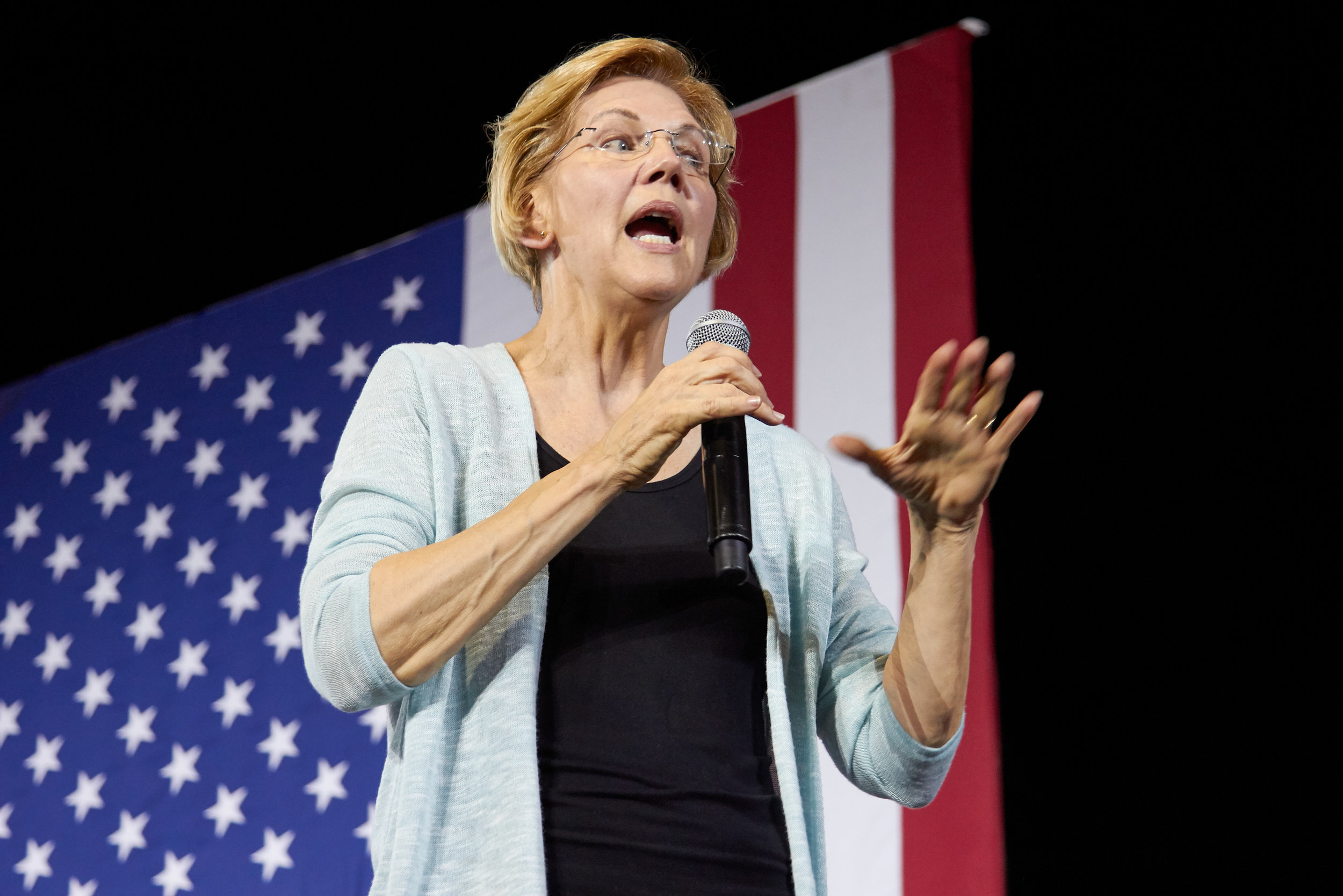 Massachusetts senator Elizabeth Warren speaks at a Town Hall event for her presidential campaign, at the Shrine Expo Hall, Los Angeles, California, on August 21st 2019. (Marco Pallotti/The Corsair)