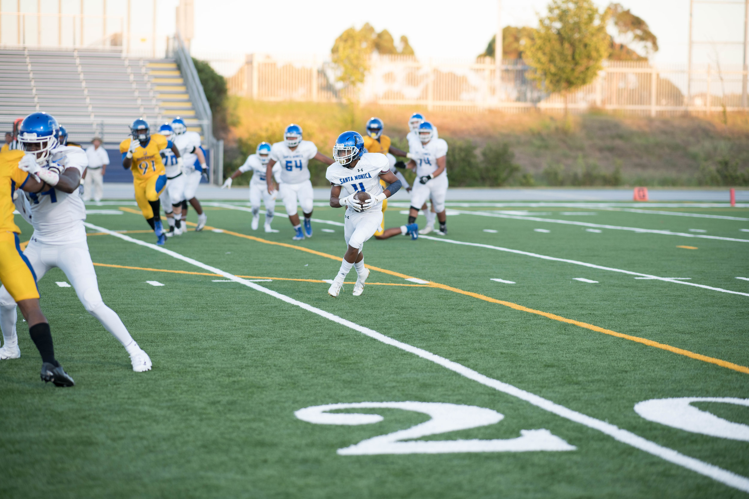 After making the reception #4 Akili Warren Jr. looks to make a play and gain yards.(Photo By Kevin Tidmore/The Corsair)