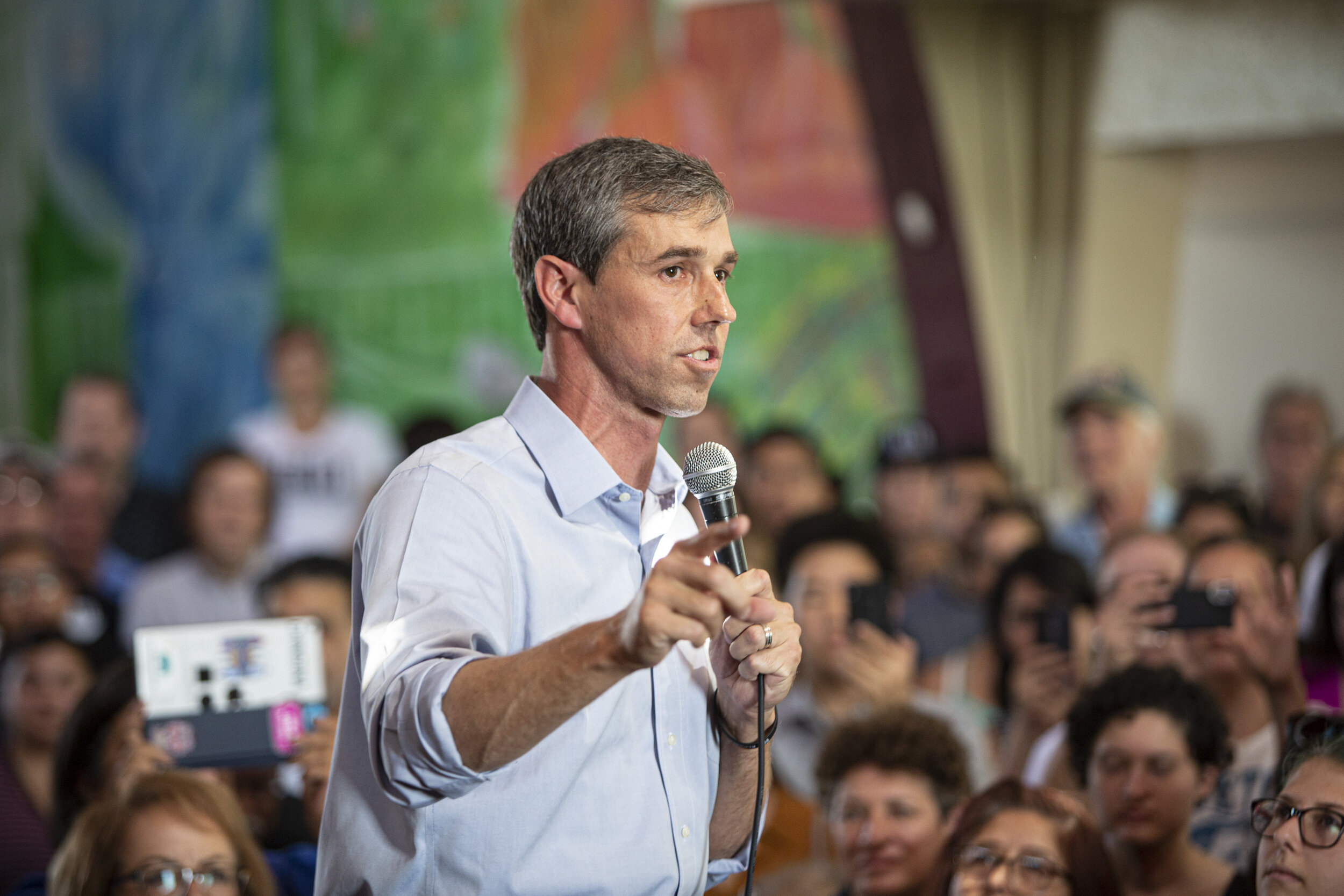 2020 Democratic Presidential Candidate Beto O'Rourke, holds a town hall event at Casa del Mexicano, on Saturday, October 5, in Los Angeles, Calif.  (Yasamin Jtehrani / The Corsair)