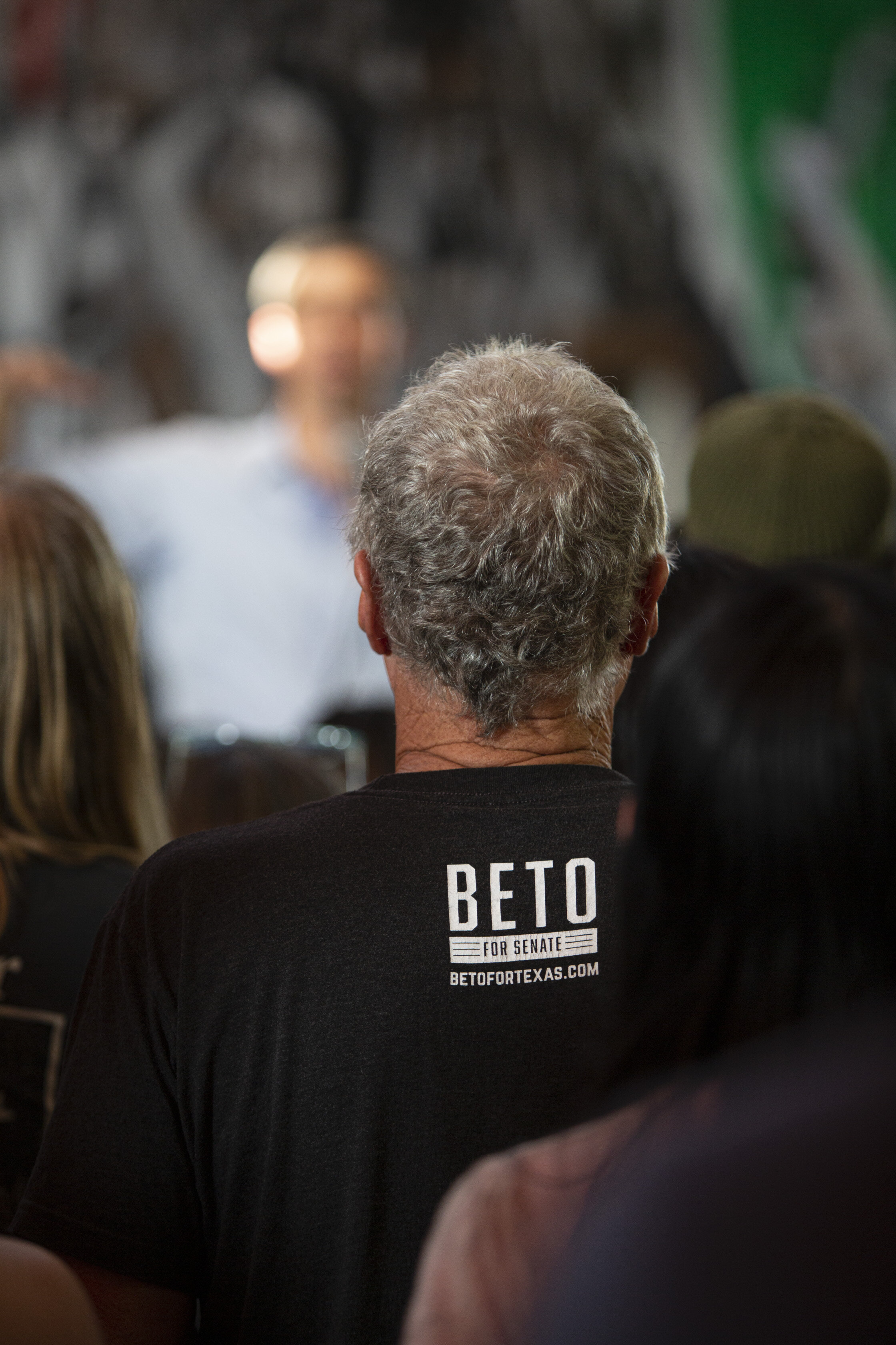 Democratic Presidential Candidate Beto O'Rourke's supporter, during a town hall event at Casa del Mexicano, on Saturday, October 5, in Los Angeles, Calif. (Yasamin Jtehrani / The Corsair)