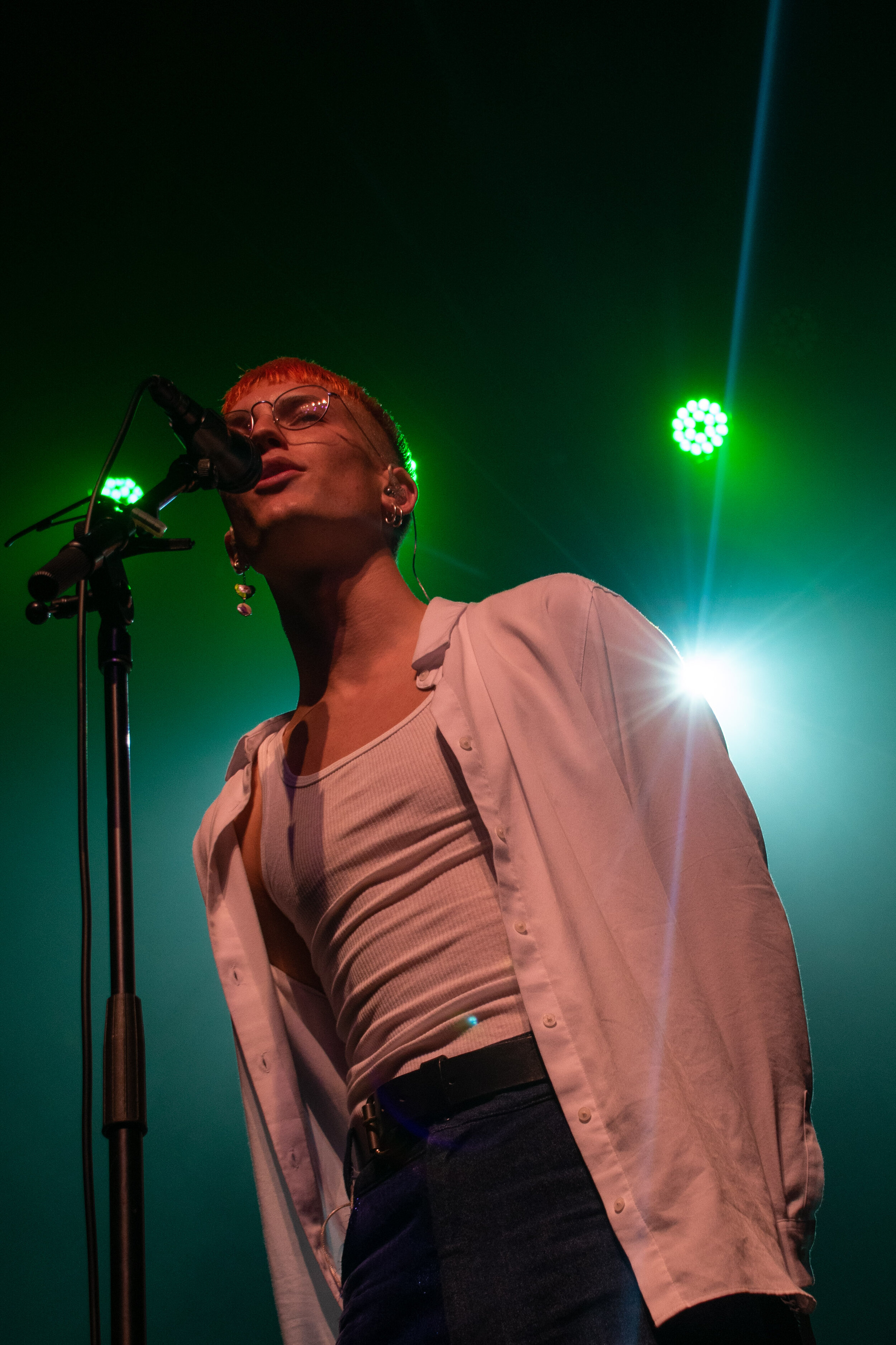 """Gus Dapperton's performance at The Fonda on Oct. 19 was the ninth show of the United States leg of his """"Where People People Go To Read"""" Tour. ( Jackie Sedley / Culture Editor)"""