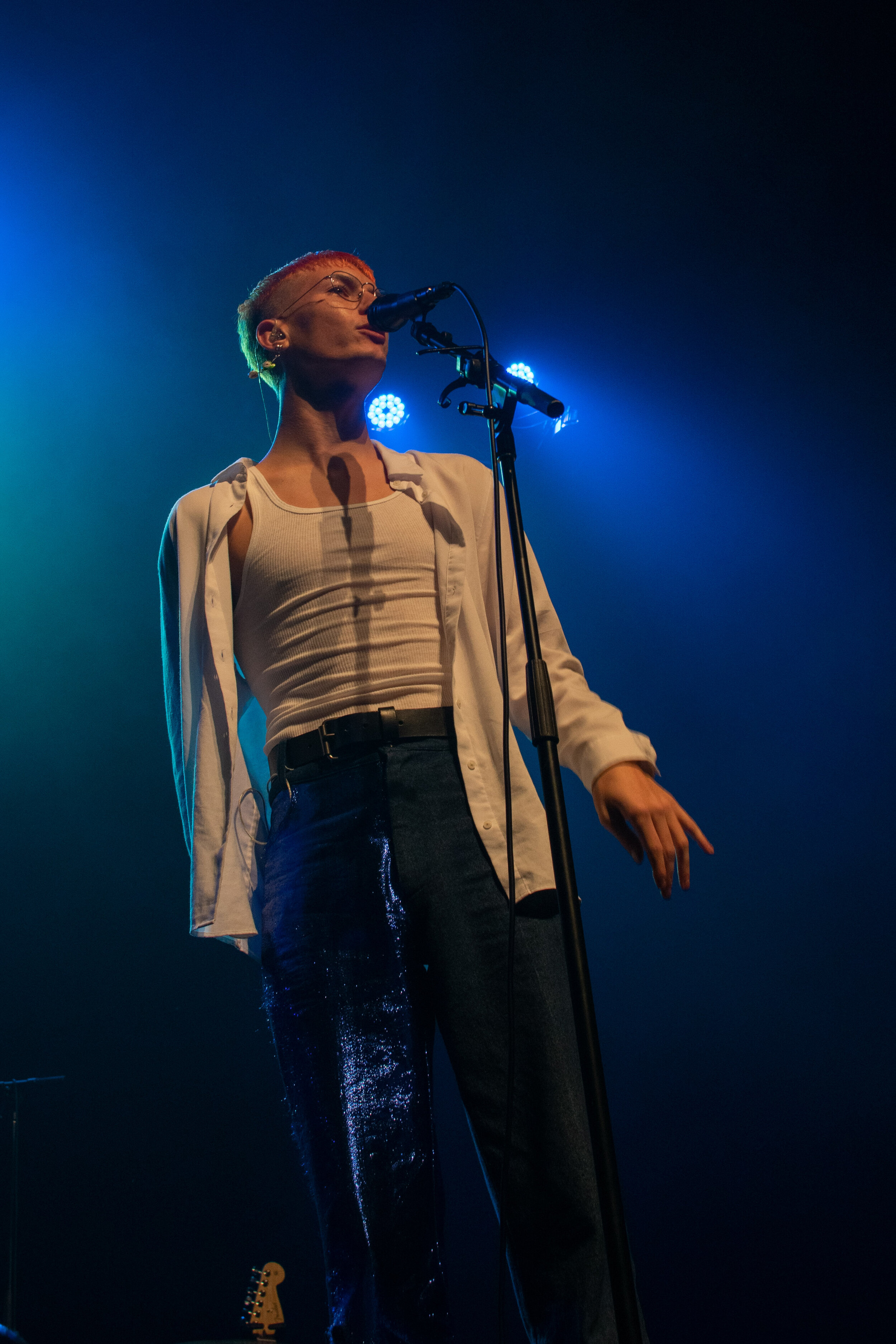 Gus Dapperton used optics to emphasize his eye-catching stage performances, using a light show of different colors and patterns. ( Jackie Sedley / Culture Editor)
