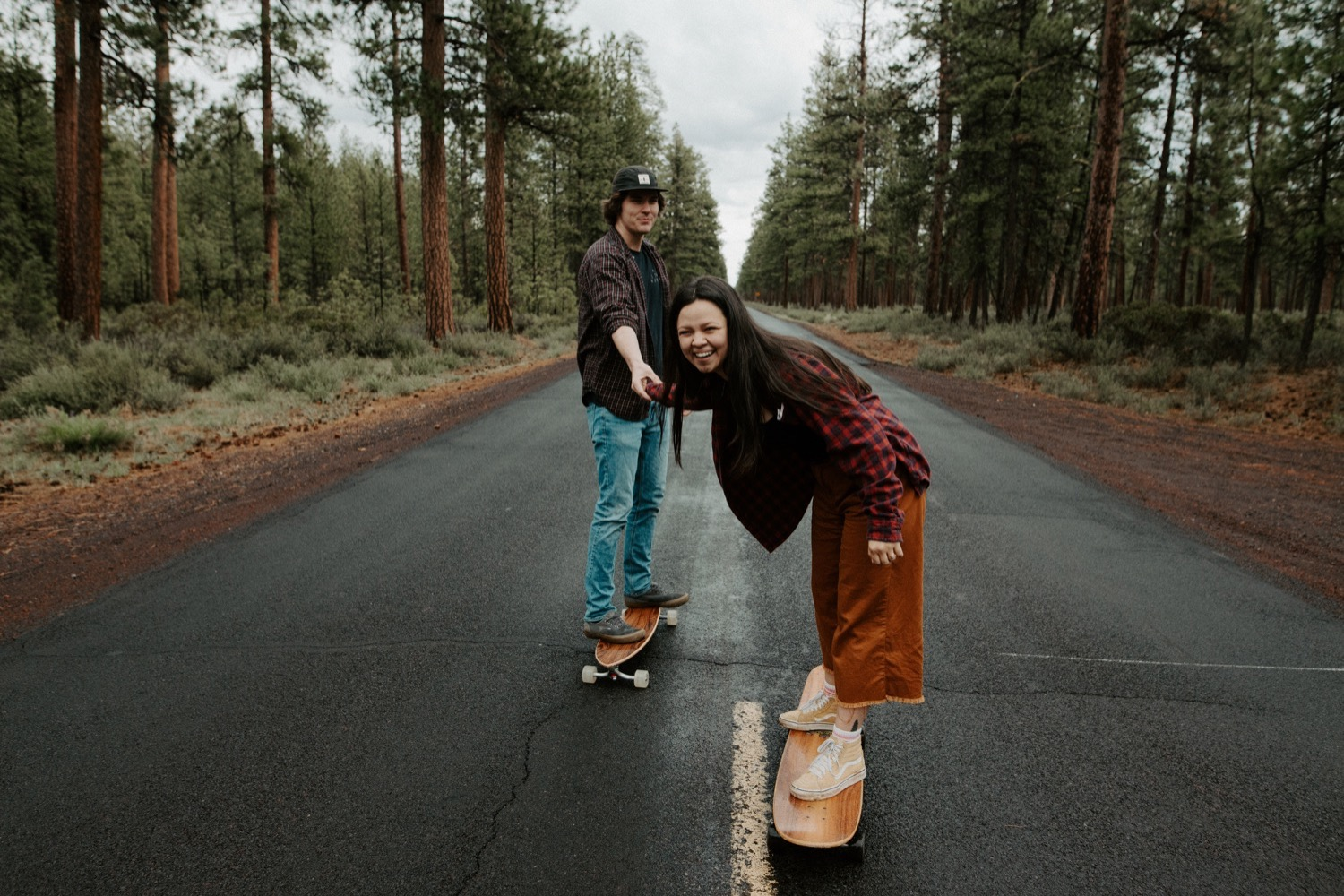17_Sisters_Oregon_Adventure_Session-21_Oregon_couple_engagement_Bend_adventure_Photography_PNW_longboard.jpg