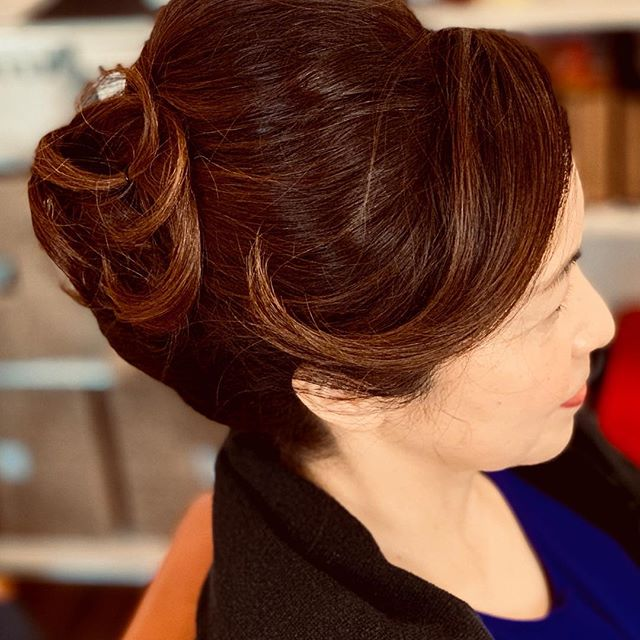 Hi guys!! Today's we are showing a Japanese Up style!! Chika (Top Stylist) made this style. You should get a appointment with Chika if you want to go party !! #boston #hairsalon #upstyles #japanesehairstyle #Defi