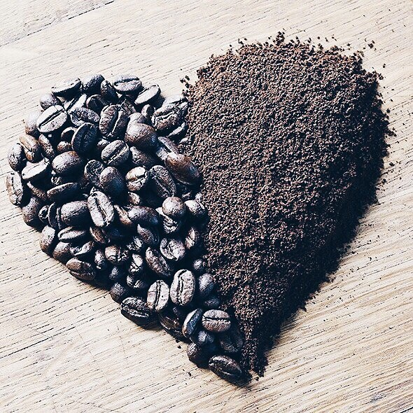 Fall in love with our coffee. Try a cup today. Order online. Link in bio.  #coffee #friday #fridayfeeling #caffeineoverdose #love