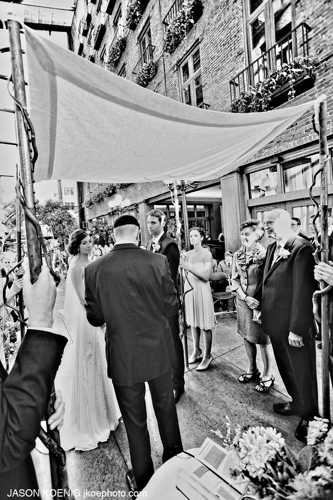 jkoe photography Meghan & Joe Downtown Seattle Wedding  (9).jpg