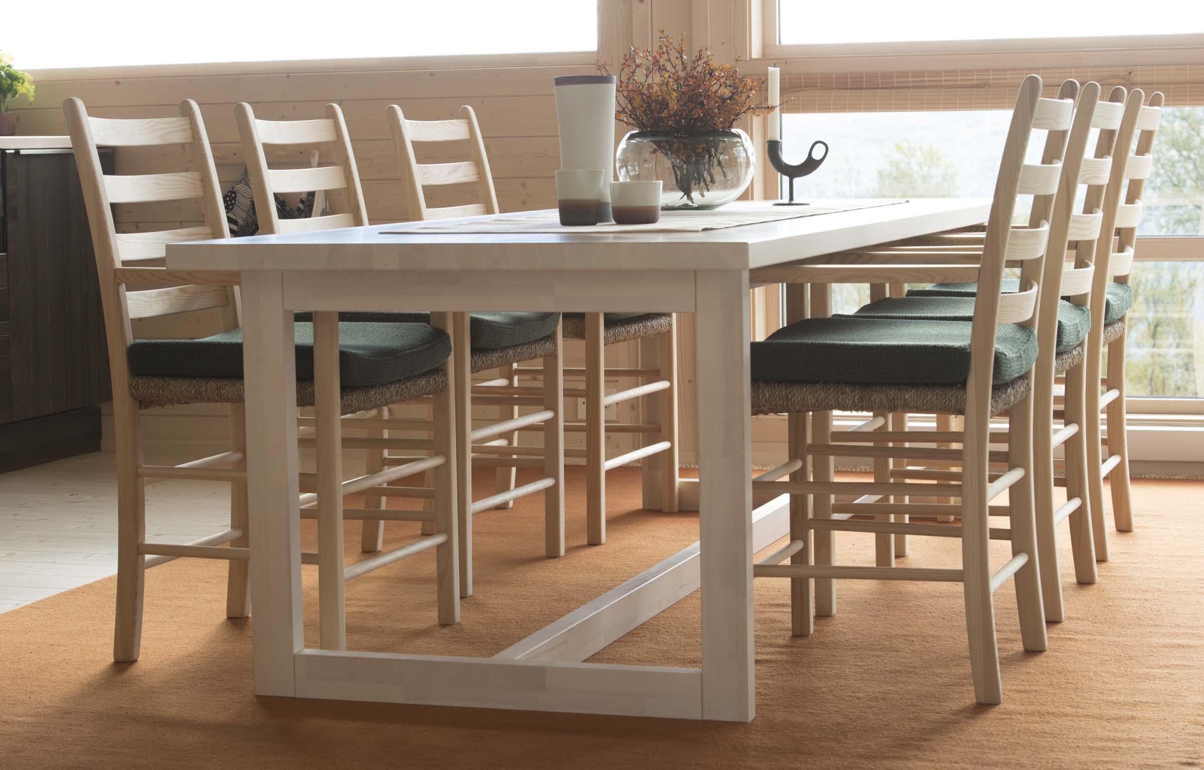 Spisebord_Jærstol med armlene_SVA9284.jpg