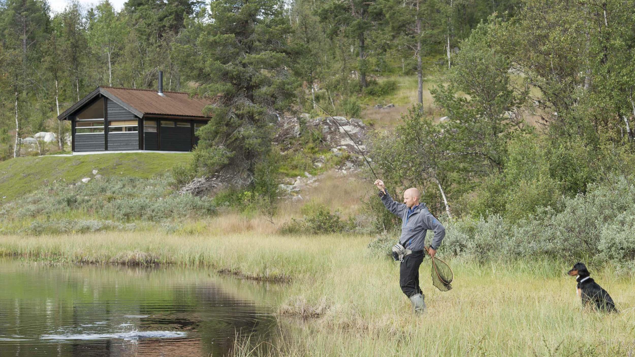 Fiske og hytte_SVA6659.jpg