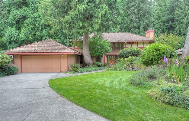 3035 211th Ave NE, Sammamish $879,950 5 bed, 2.5 bath, 3030 sq ft
