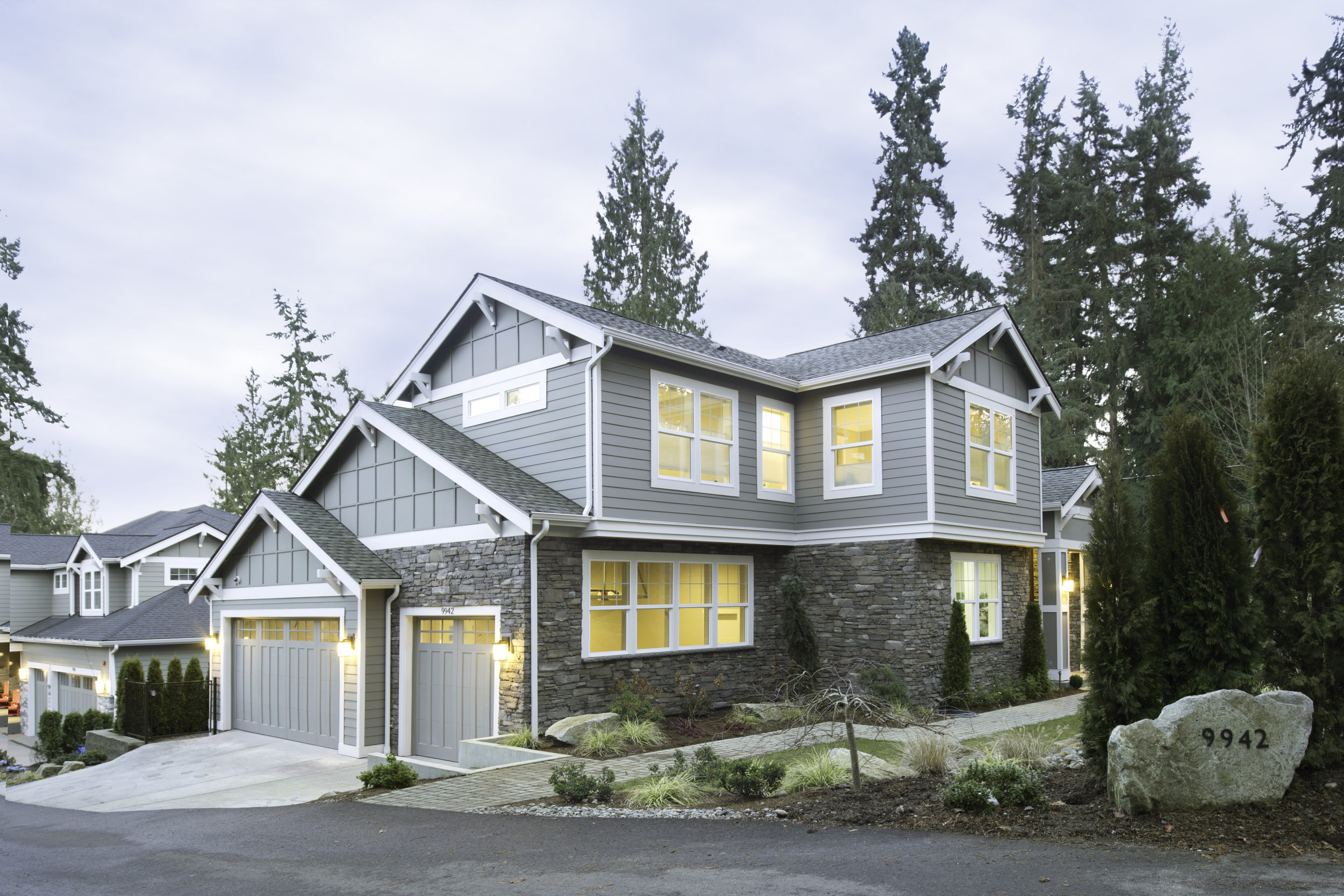 9942 SE 39th St, Mercer Island $2,700,000 7 Bed, 5.5 Bath, 4705 SQ FT