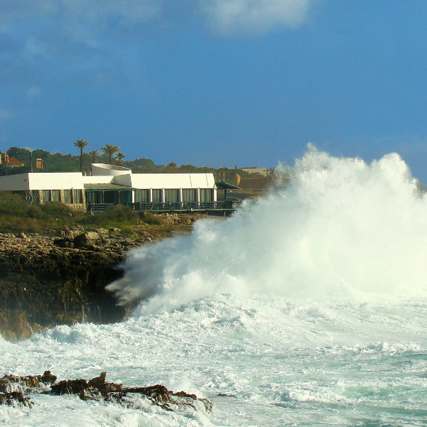 TOUJOURS CHIC : MONTE MAR     ❤️ ORIANE ❤️    OPEN - sauf le lundi / exceto segunda-feira     Avenida Nossa Senhora do Cabo, 2750-053 Guincho / 21 486 9270