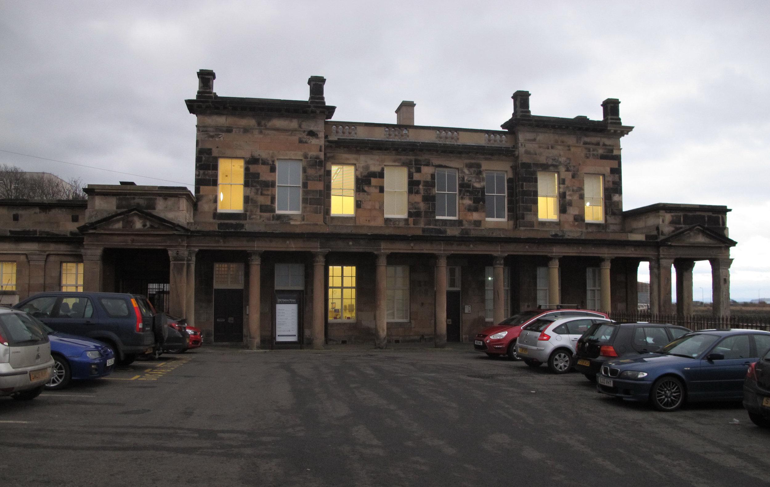 dark-imageBurntisland-Station-House.jpg
