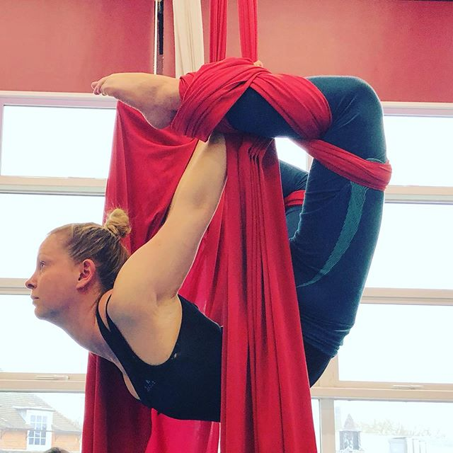 Absolute beginners silks class tonight 8.15-9.15pm. No experience necessary! This move may take some weeks to achieve! #aerialclasslondon #london #londontonight #londonclasses #londonfitness #fitnessclass #camden #aerialclass #jofoleyhoop