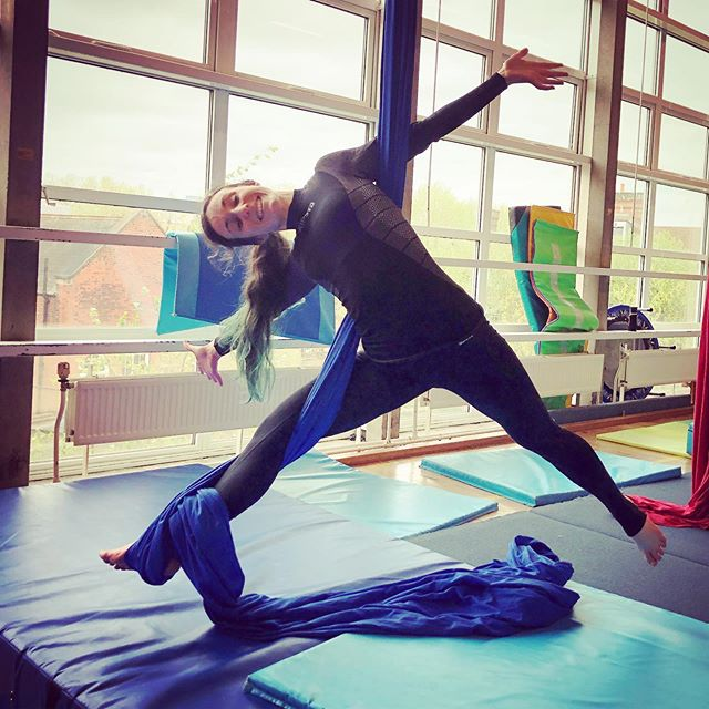 Marta looking happy and comfortable in Aerial Days silks class. Thursdays 7.15-8.45pm. Spaces in Straps, Hoop & Trapeze. 1st class £8! #strapsclass #northlondonclasses #aerialclass #trapezeclass #london #northlondonclasses #hoopclass #aeriallondon #fitlondon