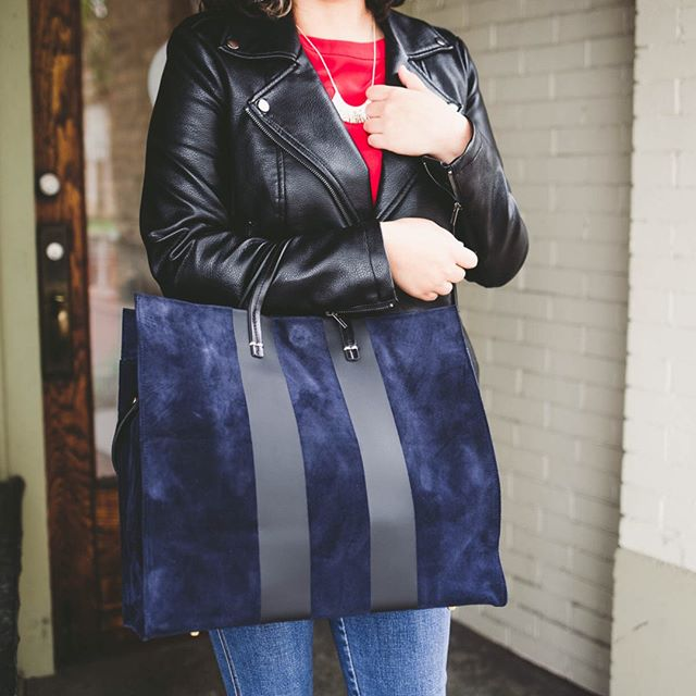 We started carrying a new designer this season, and this stunner is just one of the several we have in stock! Everyone, meet @shopclarev. Clare's line is strongly inspired by her deep connection to France, and reflects a beautiful dialogue between classic shapes and modern design twists. Swing by the shop sometime to see for yourself just how beautiful these bags are! And... It's ok if you leave with one ;)
