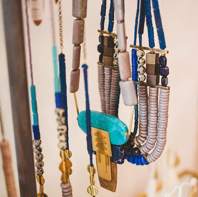 Yes, it's August already. But summer's not over yet! These royal blue, turquoise and jasper pieces from @davidaubrey_jewelry are ready to compliment your favorite sundress or denim shorts. ⠀⠀⠀⠀⠀⠀⠀⠀⠀ ⠀⠀⠀⠀⠀⠀⠀⠀⠀ .⠀⠀⠀⠀⠀⠀⠀⠀⠀ ⠀⠀⠀⠀⠀⠀⠀⠀⠀ With statement necklaces like these, you can throw on any ole basic tee or solid-color romper and be out the door! ⠀⠀⠀⠀⠀⠀⠀⠀⠀ ⠀⠀⠀⠀⠀⠀⠀⠀⠀ .⠀⠀⠀⠀⠀⠀⠀⠀⠀ #grandrapidsboutique #grandrapids #davidaubrey #easthills #shopgr #uptowngr