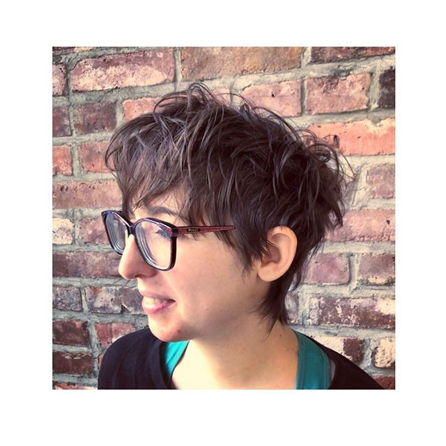 Long, shaggy, dry-cut pixie with a disconnected money piece (on the other side) a and carved out, spidery nape. Styled with @fatboyhair #sprayputty. . . . . . #hairbynoracroft #noracroftcutsmyhair @hashtagpixiecuts @nothingbutpixies @bangstyle @behindthechair_com #behindthechair @american_salon #hairbrained #pixie #pixiecut #haircut #cuthairlikefemale #crafthairdresser #hairporn #hairoftheday #shorthair #hairnyc #nychair #brooklyn #nyc #brooklynhairstylist #drycut #dryhaircut #drycuttingspecialist #drycutnyc #fringe #bangs #shorthairdontcare #loveshorthair