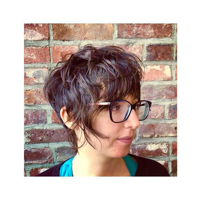 Long, shaggy, dry-cut pixie with a disconnected money piece and carved out, spidery nape. Styled with @fatboyhair #sprayputty. . . . . . #hairbynoracroft #noracroftcutsmyhair @hashtagpixiecuts @nothingbutpixies @bangstyle @behindthechair_com #behindthechair @american_salon #hairbrained #pixie #pixiecut #haircut #cuthairlikefemale #crafthairdresser #hairporn #hairoftheday #shorthair #hairnyc #nychair #brooklyn #nyc #brooklynhairstylist #drycut #dryhaircut #drycuttingspecialist #drycutnyc #fringe #bangs #shorthairdontcare #loveshorthair