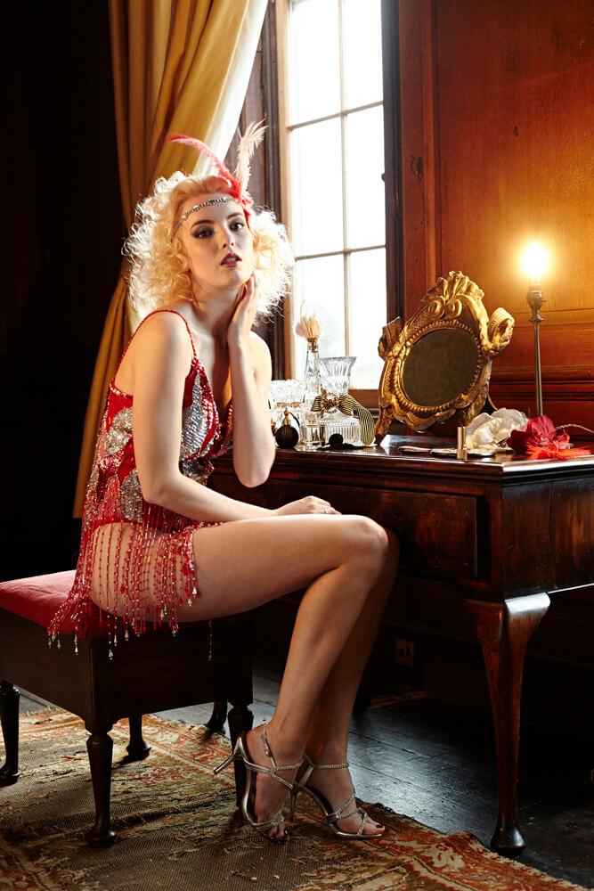 dressing_table_1920s_glamour.jpg