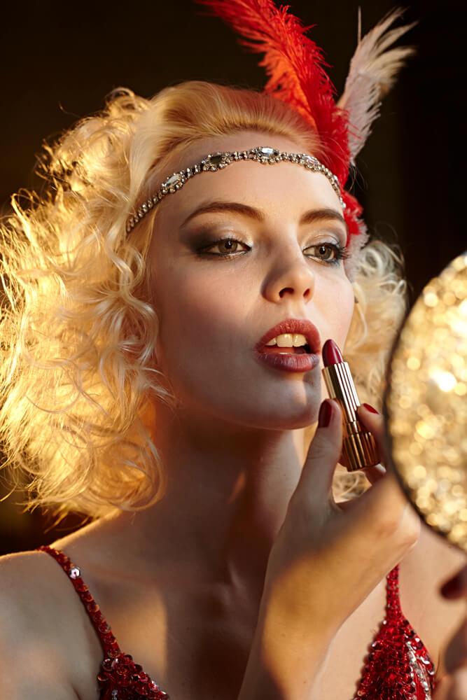 1920s_glamour_lipstick_mirror.jpg