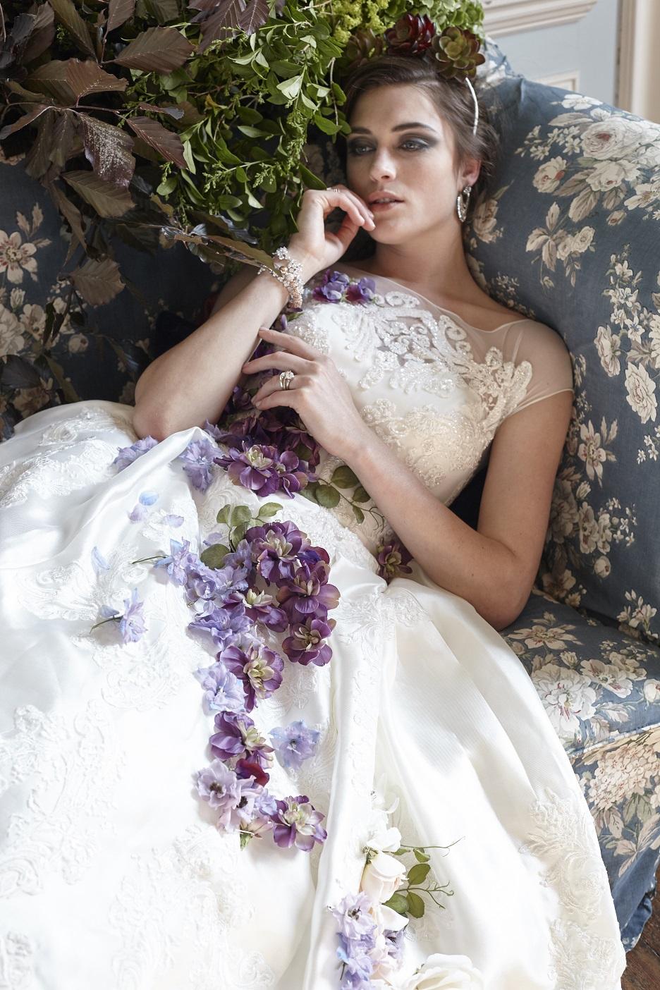 sofa_dress_bride.jpg