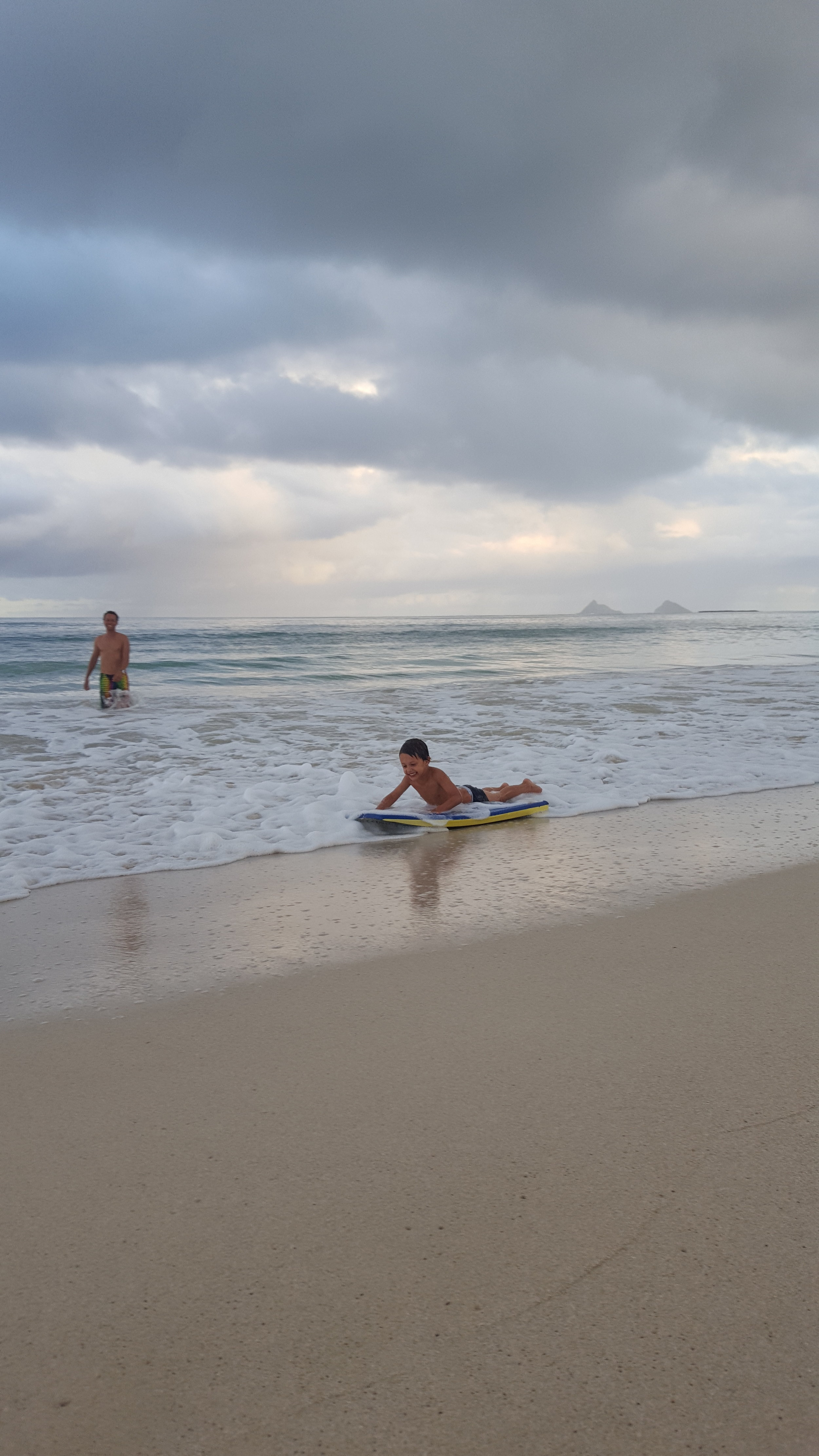 Bennett nailed body boarding for the first time!