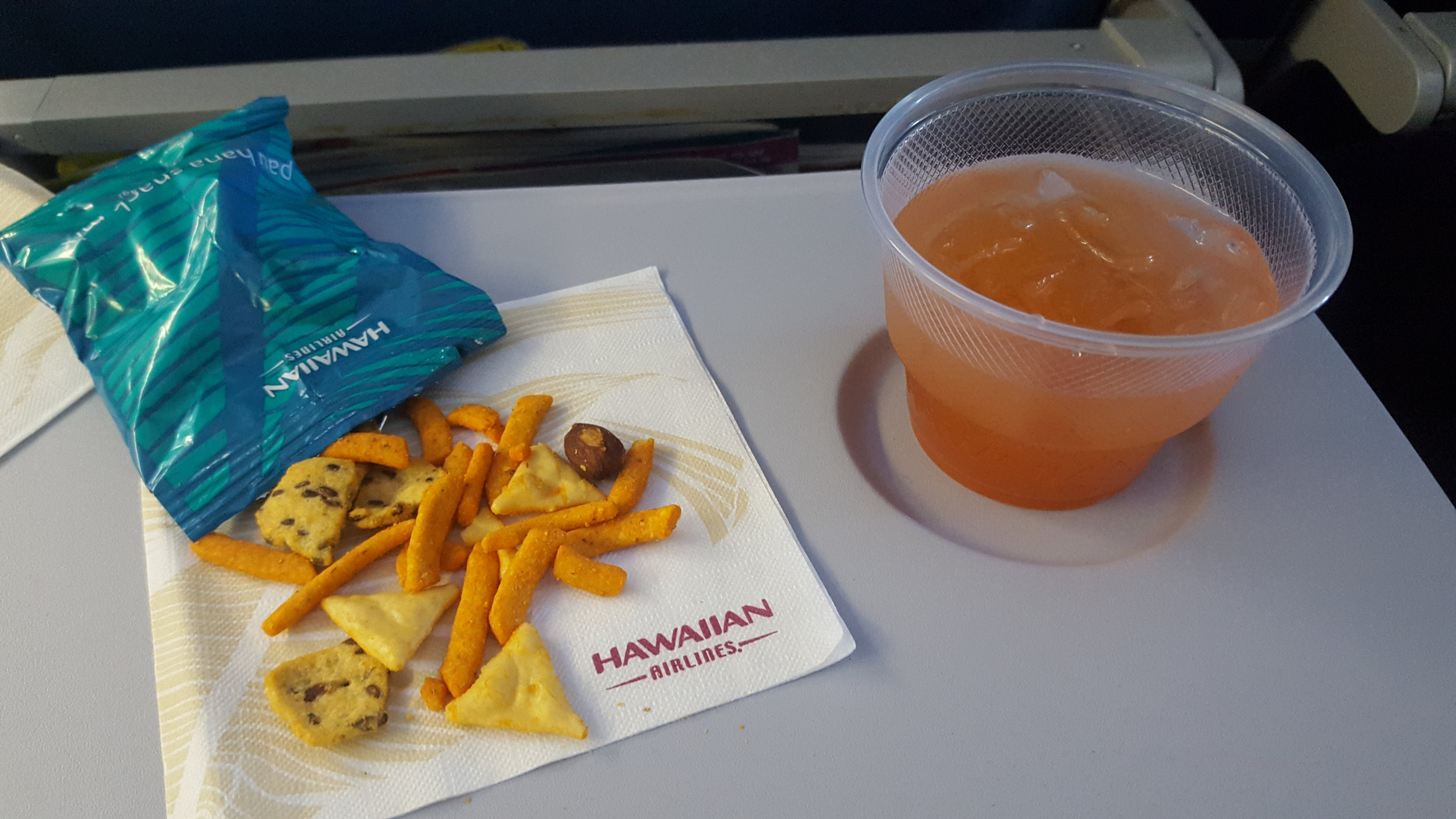 Free Rum Punch courtesy of Hawaiian Airlines??? YES PLEASE!