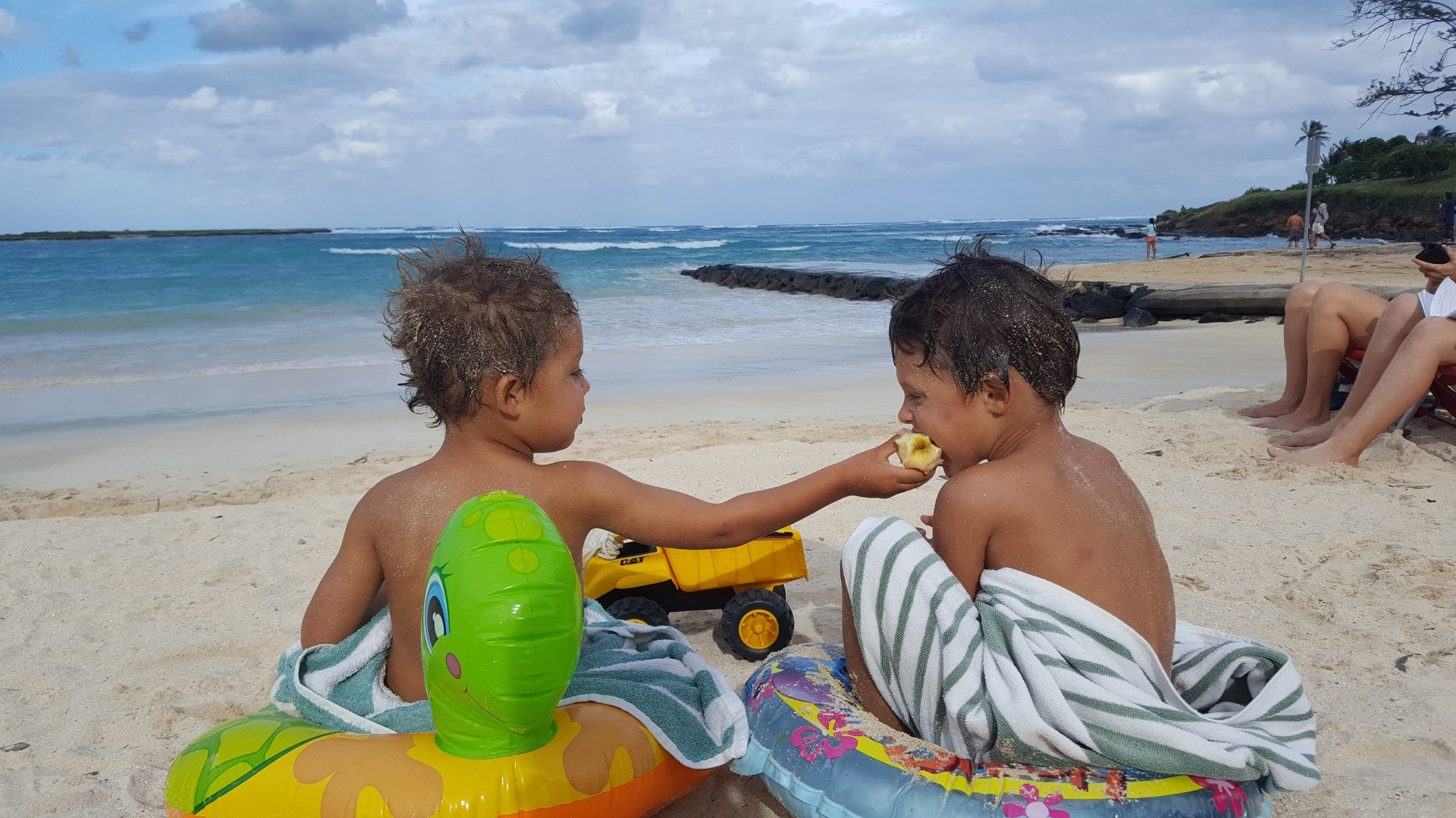 Omg, the sand on them. But seriously, these two are such best friends. I don't know what they'd do without one another.