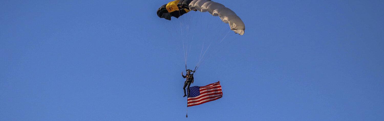 ParachuteTeam-4.jpg