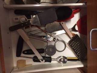 MG asst Kitchen gadgets.JPG