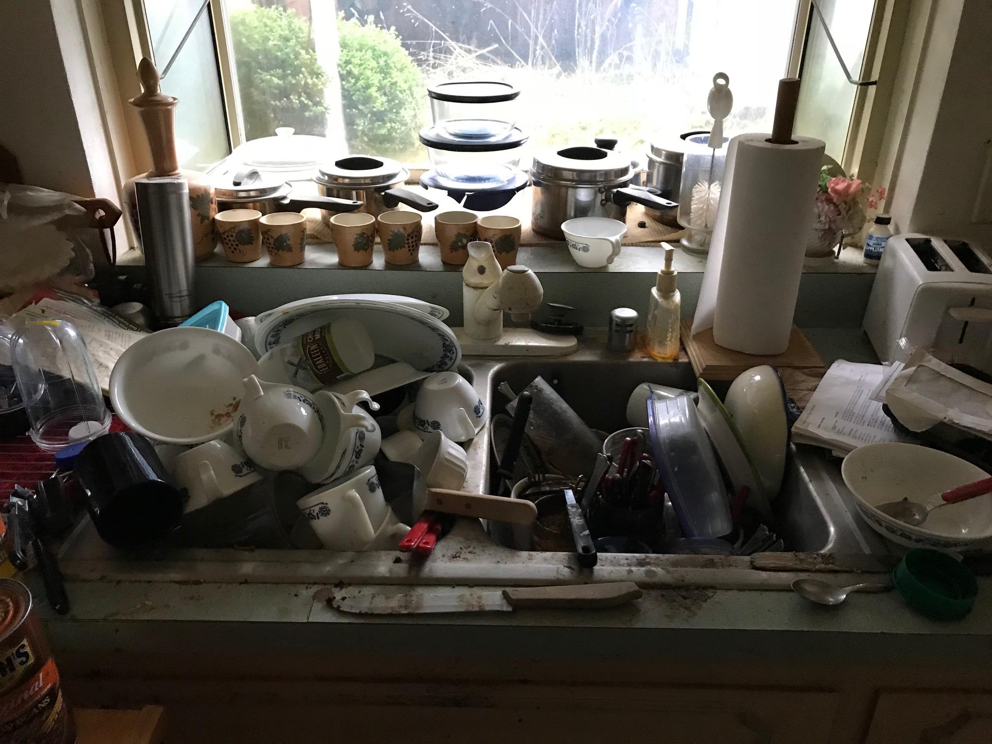 Before Kitchen 8.jpg