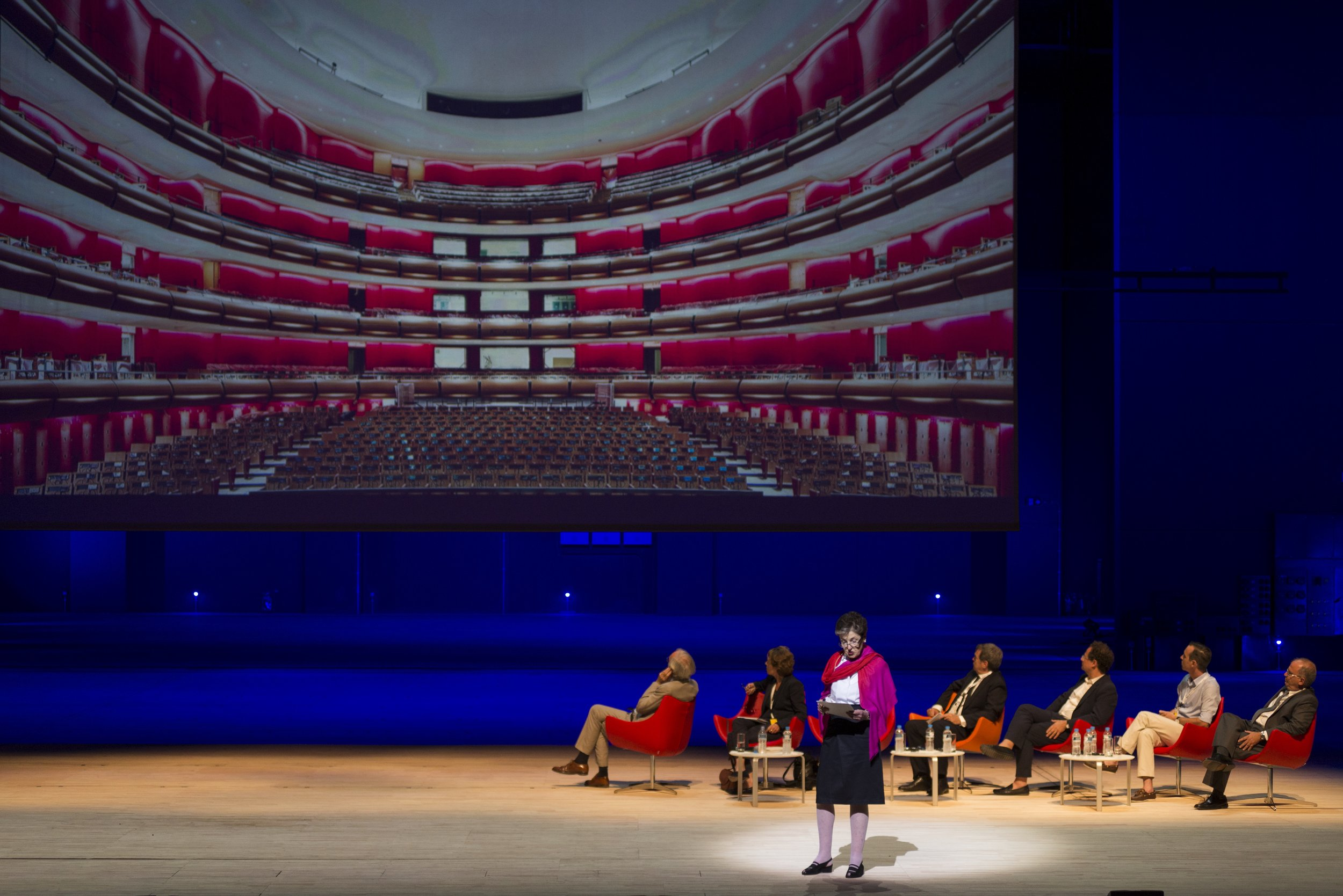 Newhouse presenting on her book  Chaos and Culture  at the Stavros Niarchos Foundation Cultural Center (SNFCC) in Athens, Greece alongside Renzo Piano, Annabelle Selldorf, Adam Weinberg, Yiorgis Yerolymbos, John Peponis, and Andreas Kourkoulas. Courtesy of the Stavros Niarchos Foundation.