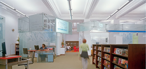 Carnegie Library of Pittsburgh Main Facility in Oakland, interior view of the teenspace. Pittsburgh, 2004, EDGE Studio (GBBN Architects). Photo: Dennis Marsico. Courtesy GBBN.