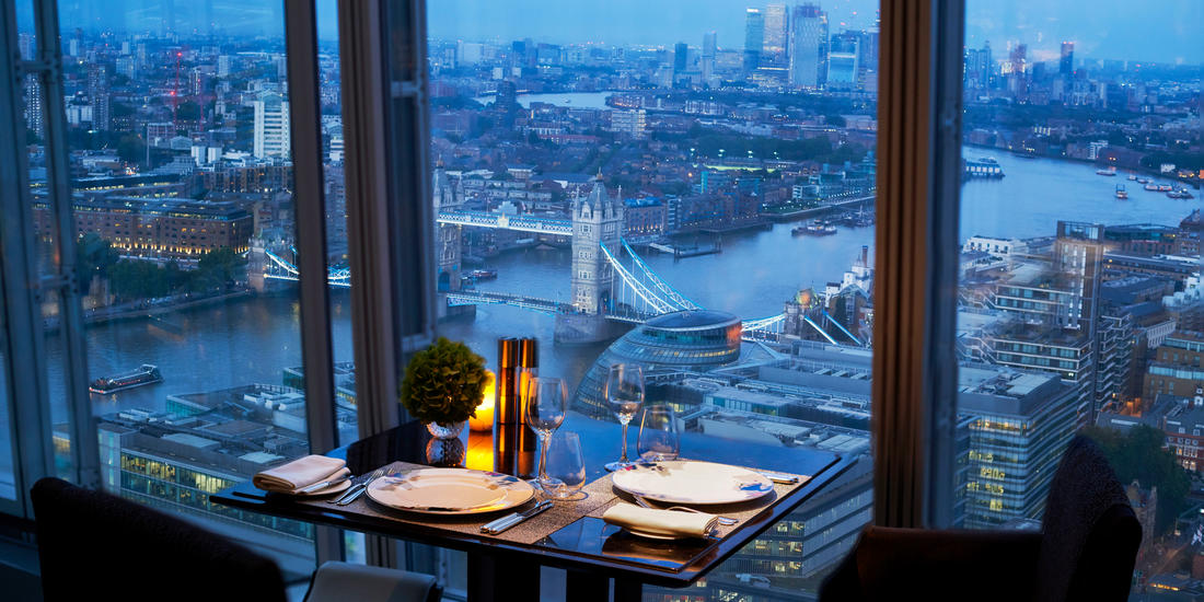 12-shangri-la-hotel-at-the-shard-london-ting-restaurant-table-with-view-4.jpg