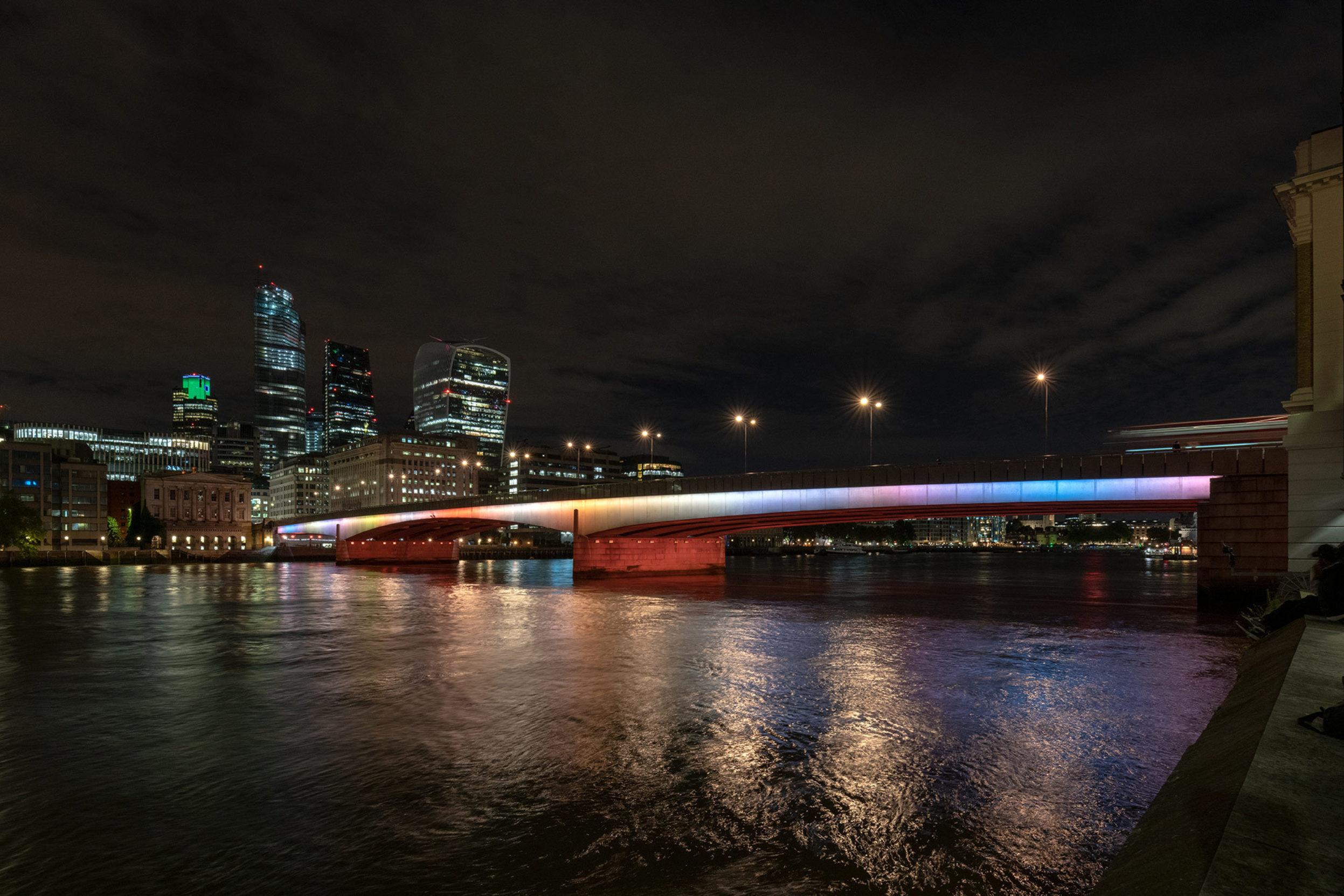 Leo Villareal's Illuminated River artwork on London Bridge