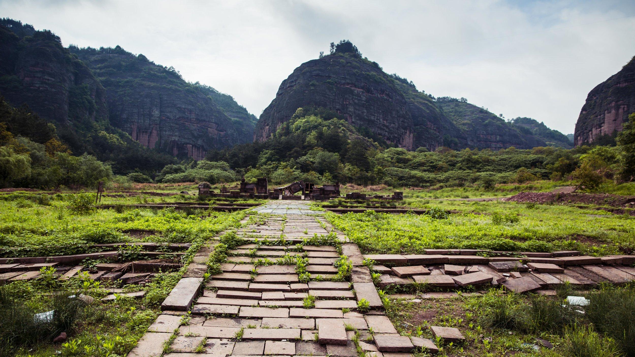 Hengdian - Tian Long Ba Bu Park - Clearing-010.jpg