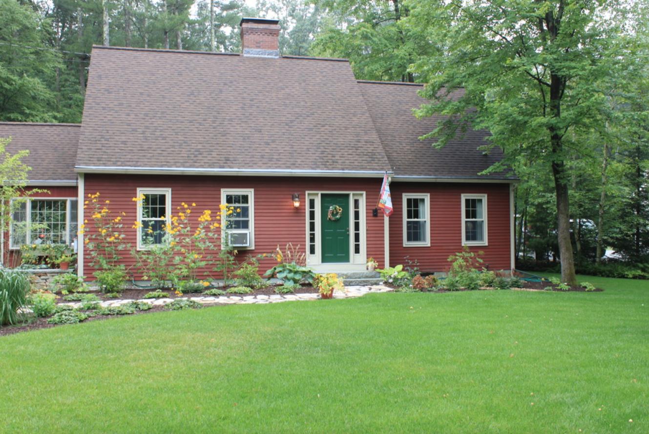 Modern landscape design in Amherst, NH